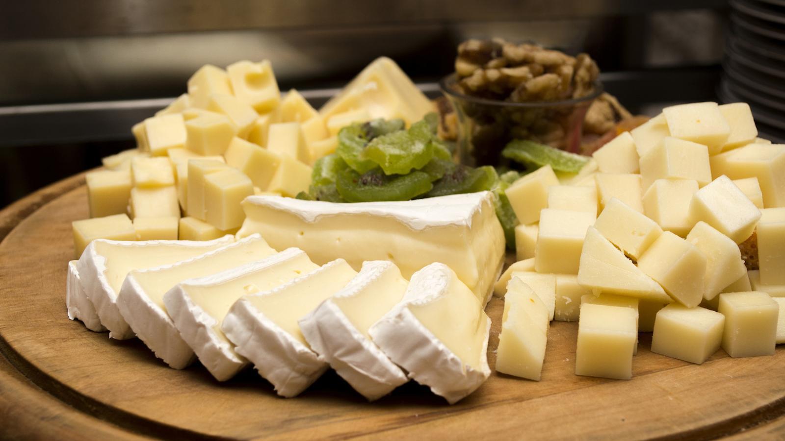 Qui no se sent culpable si menja massa formatge?