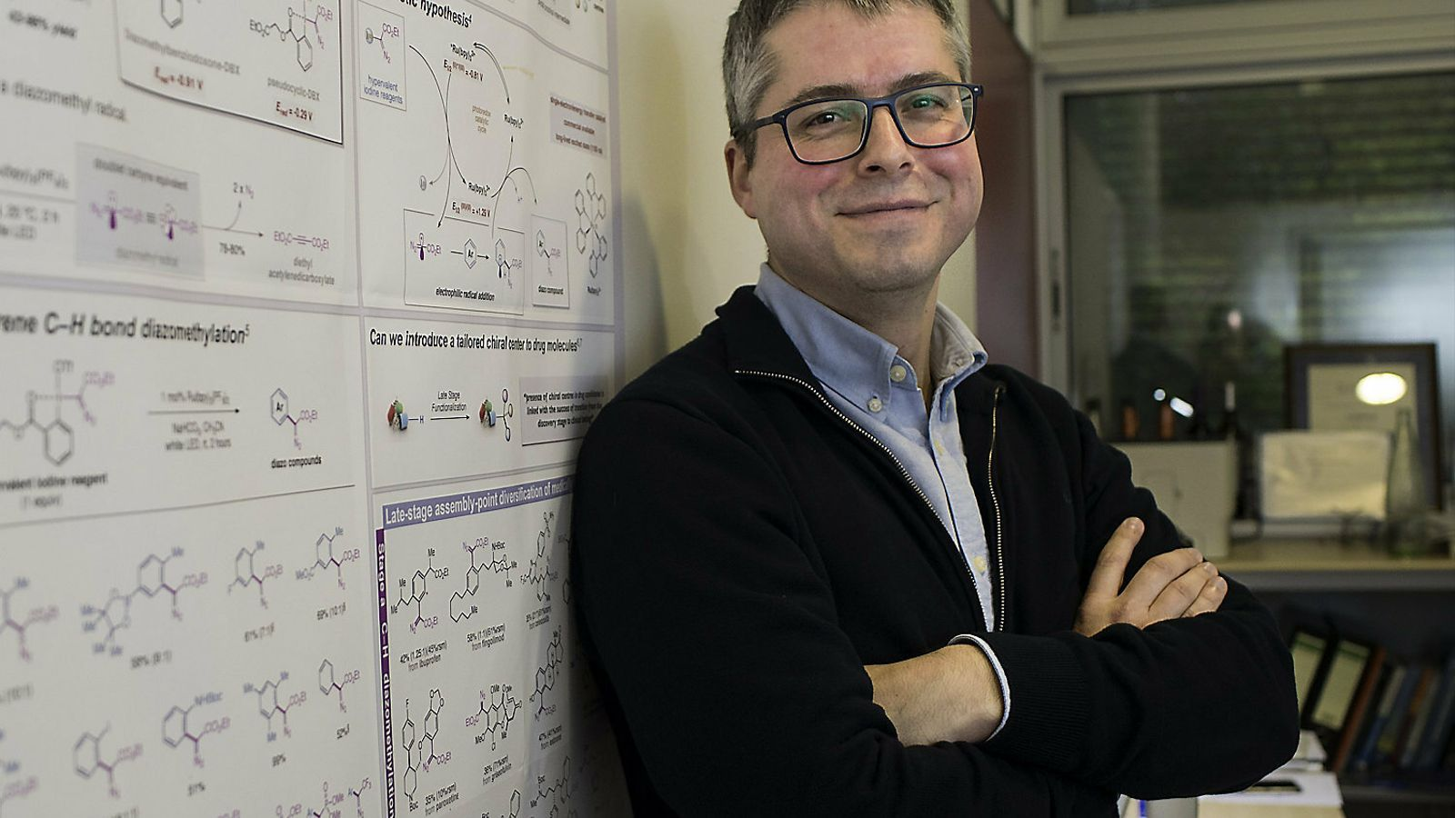 """MARCOS GARCÍA SUERO : """"No m'estranyaria que hi hagués una altra taula química periòdica a l'Univers"""""""