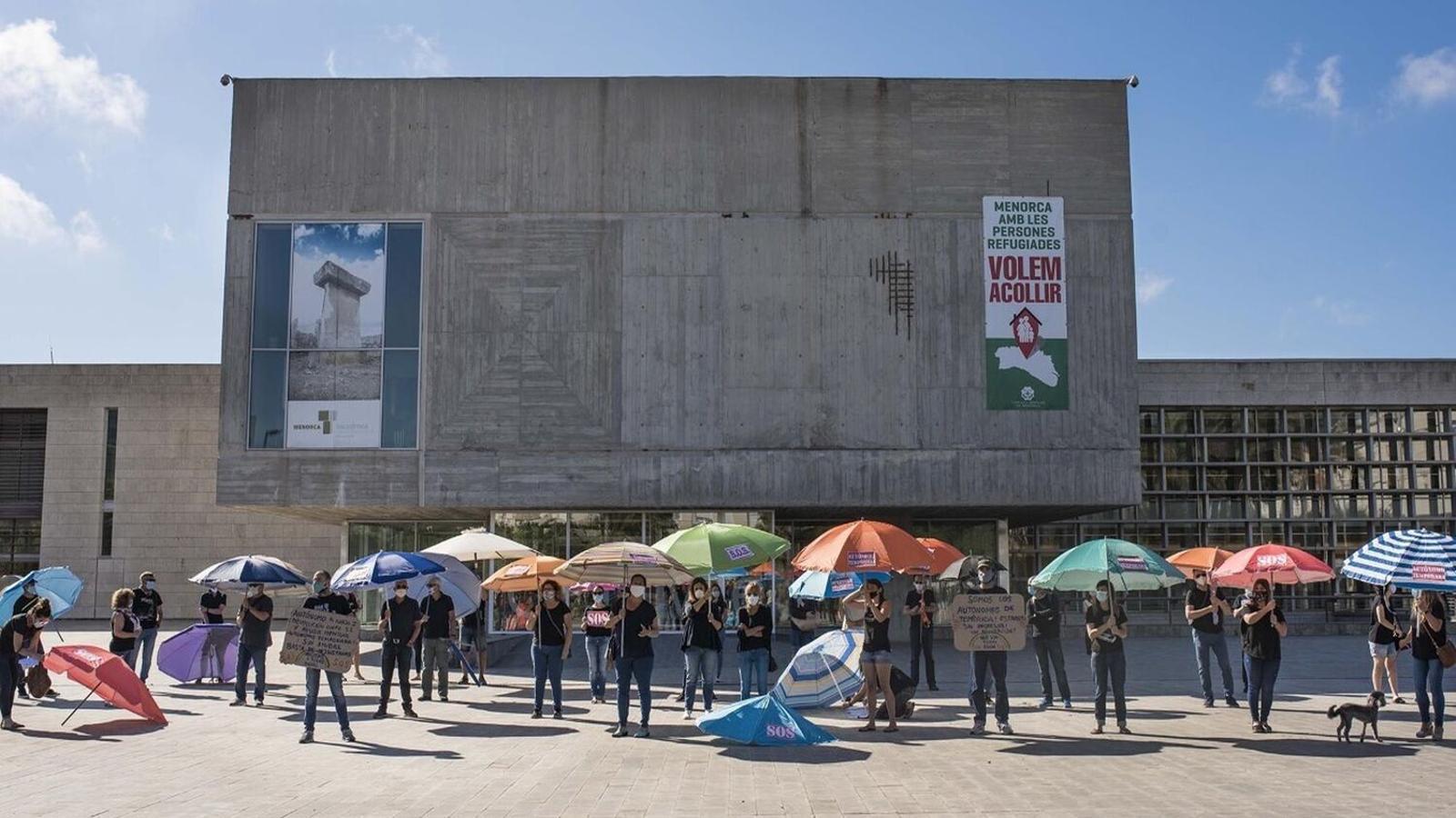 És la segona protesta que protagonitzen després de reivindicar els seus drets davant el Consell de Menorca.