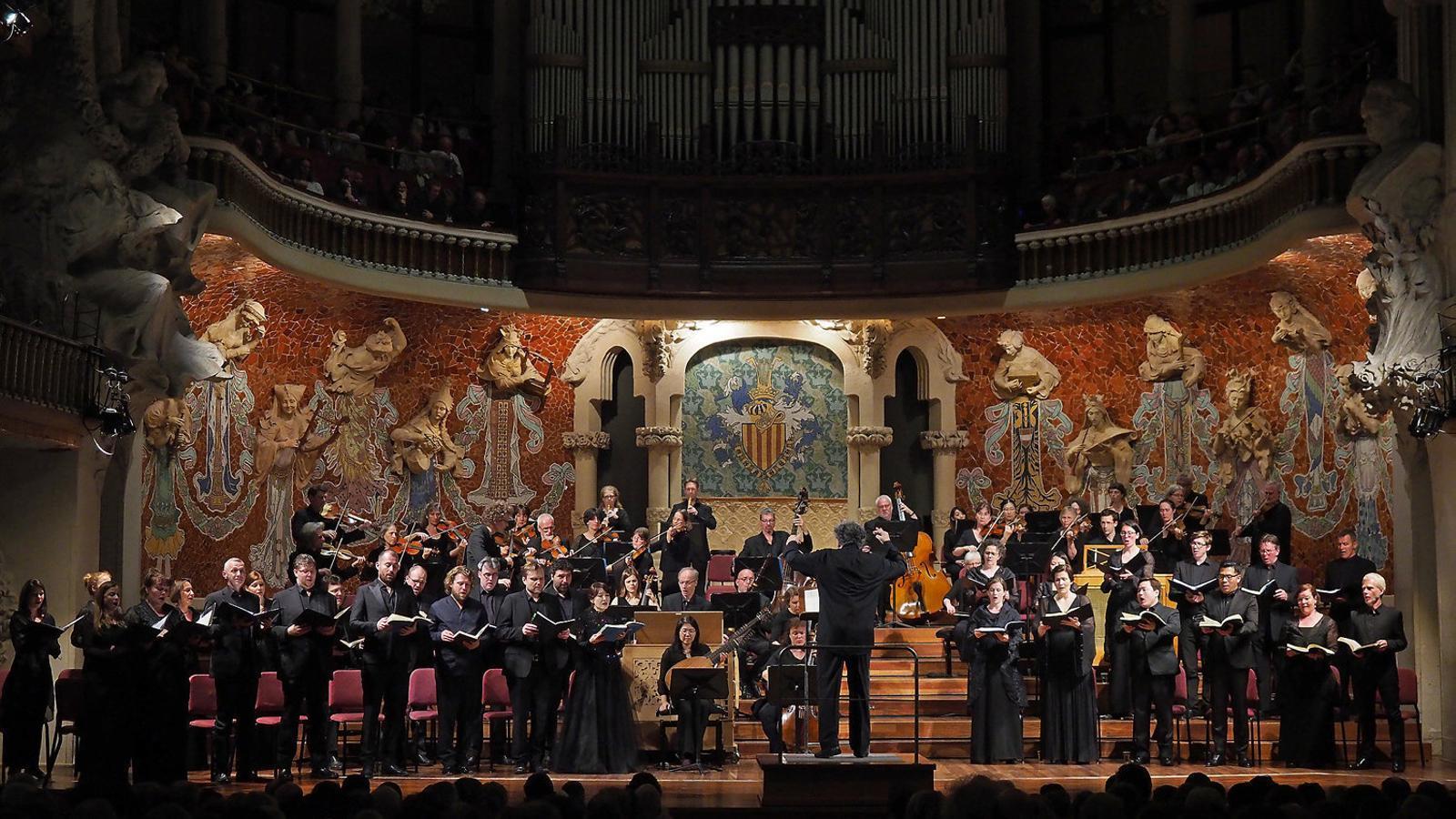 René Jacobs dirigint la Passió segons Sant Mateu al Palau de la Música. / A. BOFILL / PALAU DE LA MÚSICA