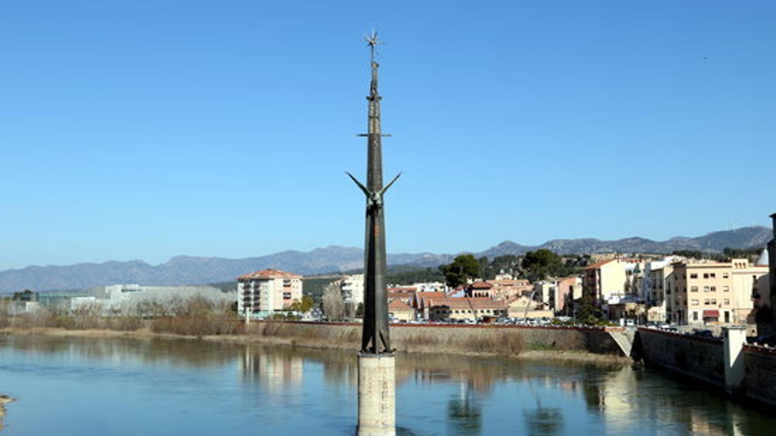 Foto d'arxiu del monument franquista de l'Ebre
