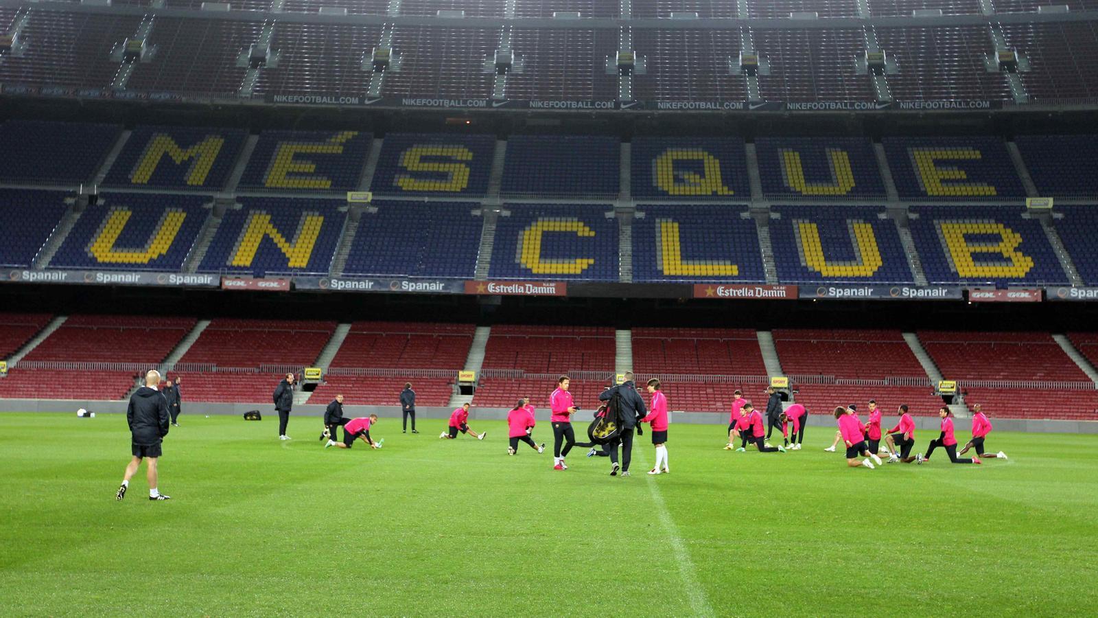 Entrenament del FC Barcelona al Camp Nou.