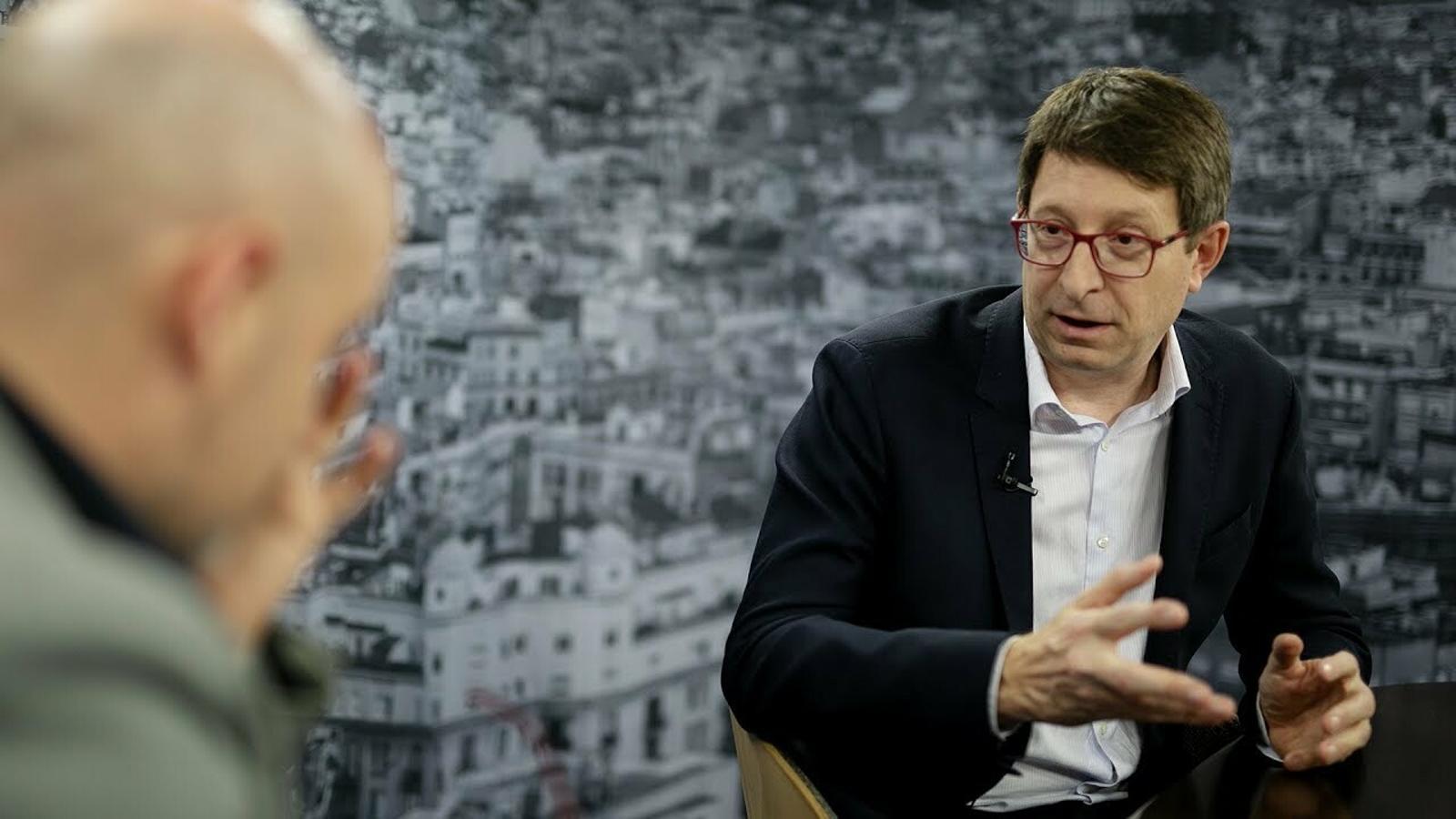 Entrevista de David Miró a Carles Mundó