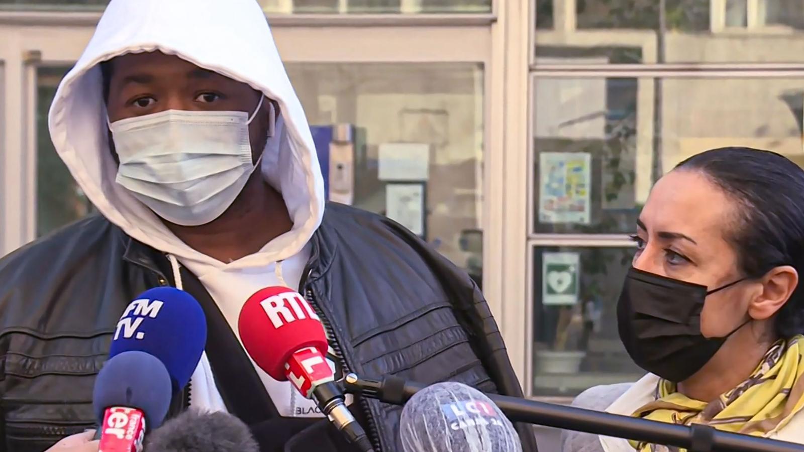 Michel, el productor de música francès que ha denunciat tres agents de policia per agredir-lo al seu estudi.