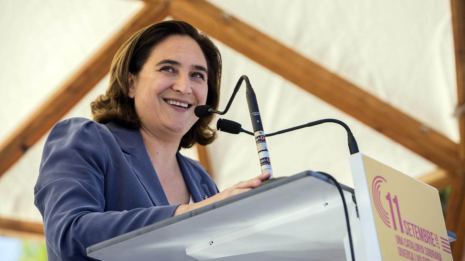 Ada Colau a l'acte dels comuns l'11 de setembre de l'any passat.