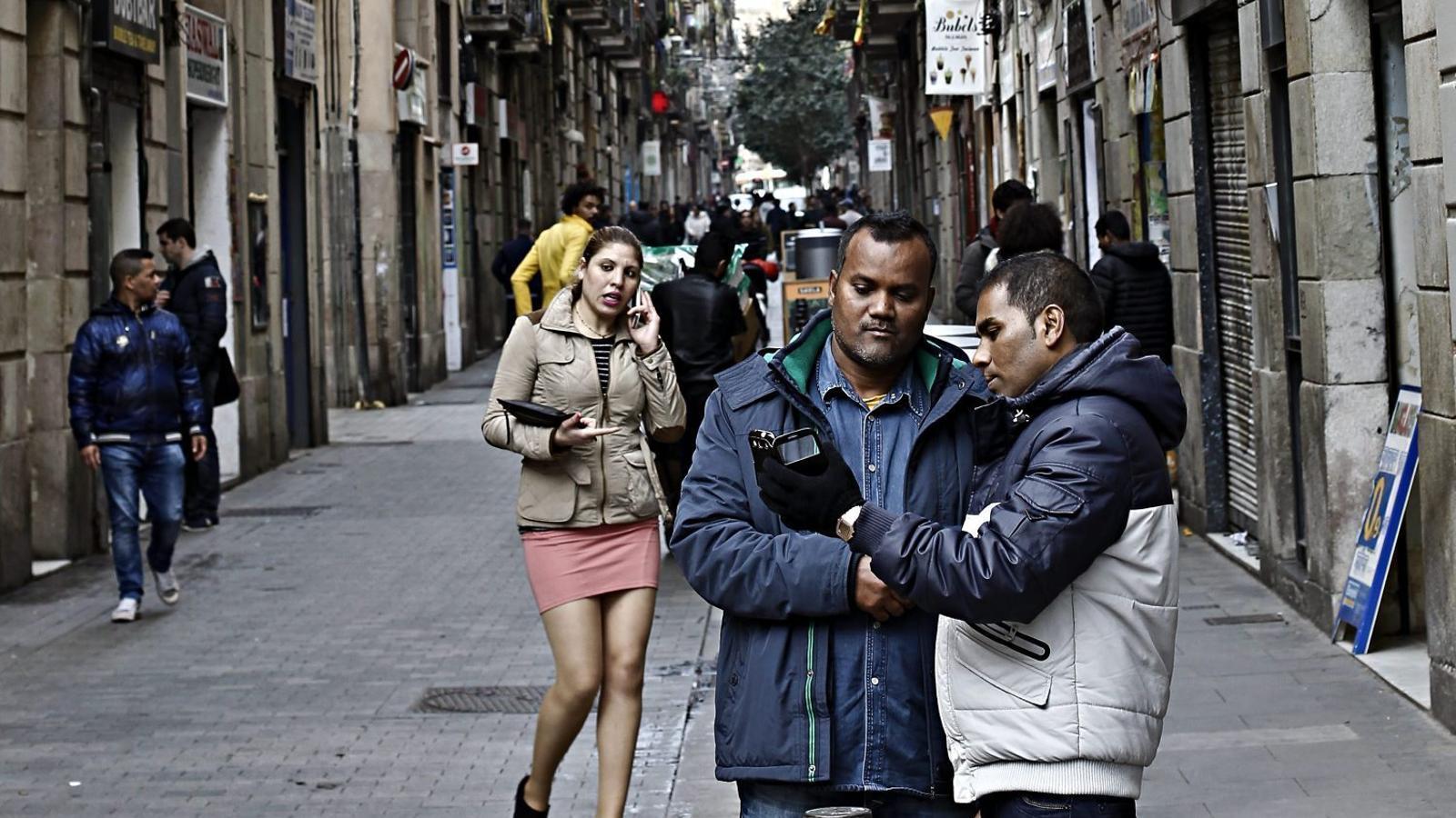 SOS Racisme alerta que augmenten els casos de racisme entre particulars