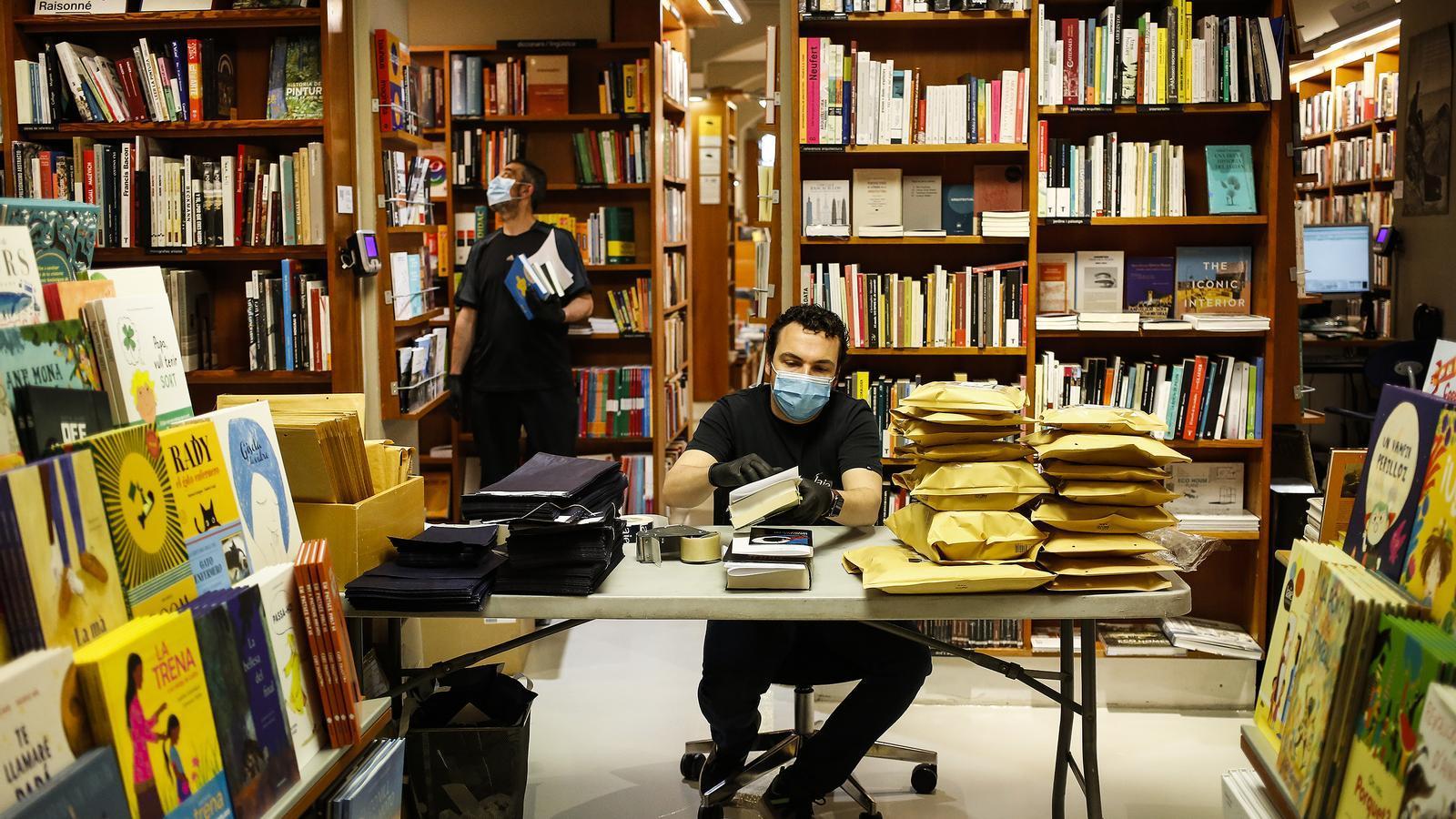 Les llibreries també hauran de tancar el cap de setmana