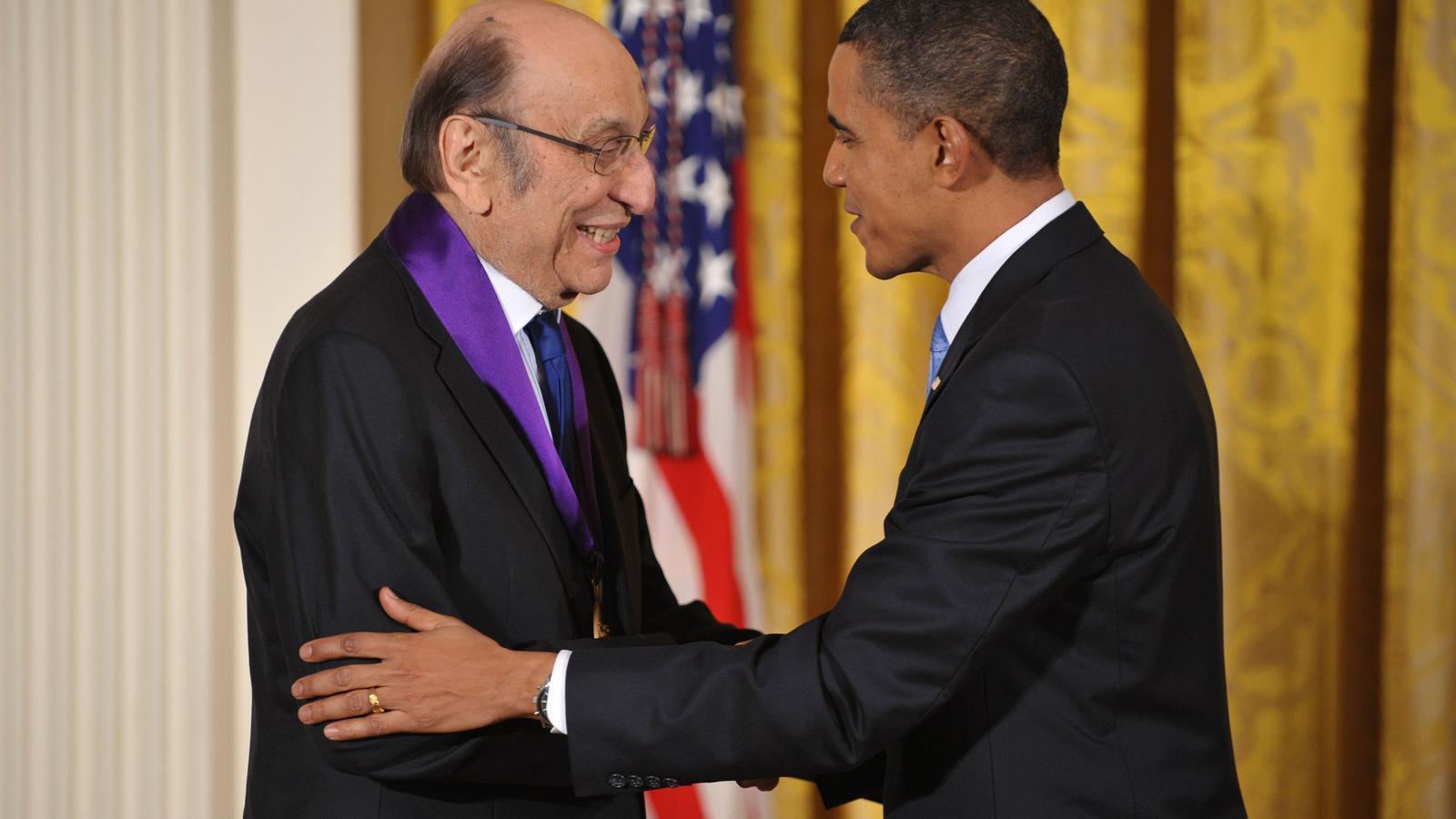 Milton Glaser, amb Barack Obama, l'any 2010