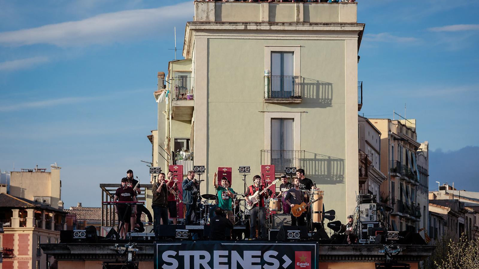 Girona vibra amb txarango a l strenes for Oficina de extranjeria girona