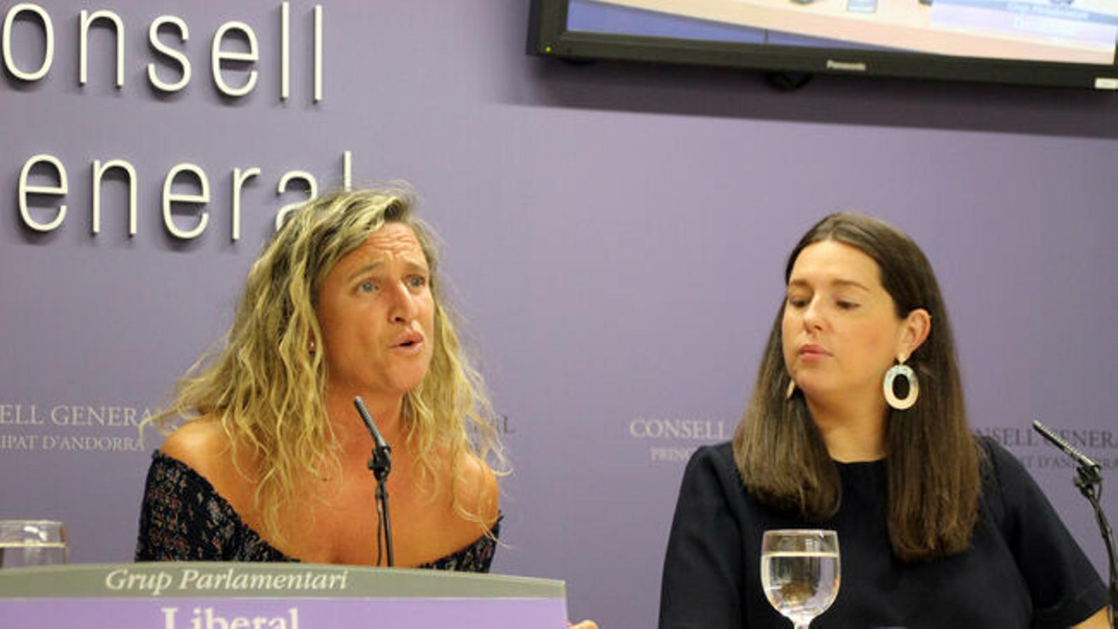 Eva López i Maria Martisella. / ARXIU