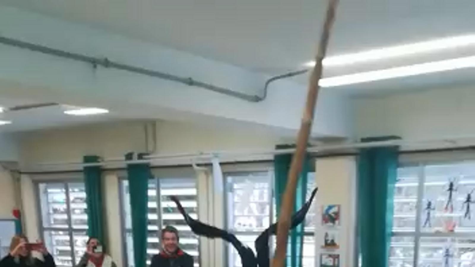 El dimoni balla a l'escola pública infantil Na Caragol