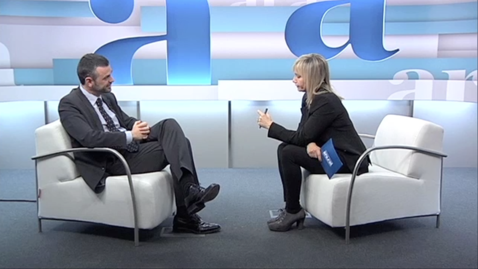 Entrevista de Mònica Terribas a Santi Vila, per l'ARA TV Premium