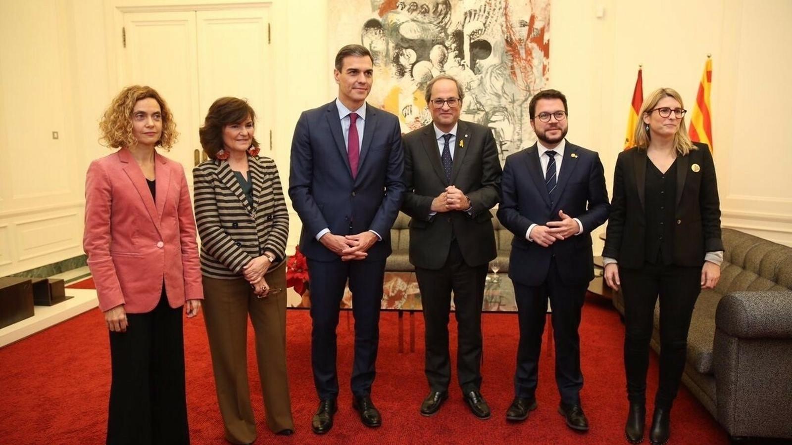 Batet, Calvo, Sánchez, Torra, Aragonès i Artadi el dia de la reunió de Pedralbes.