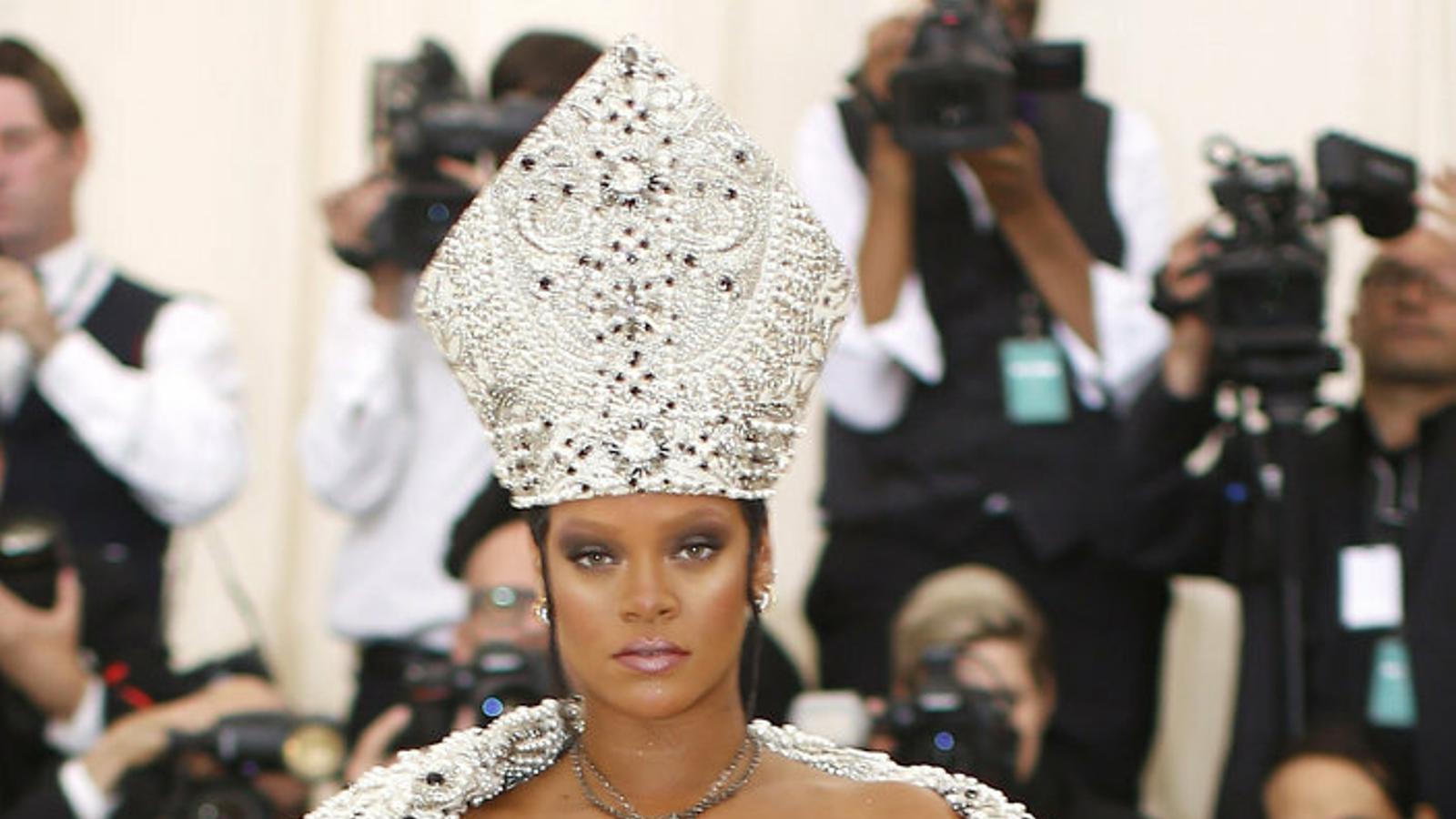 Rihanna, la cantant  Més rica (sense cantar)
