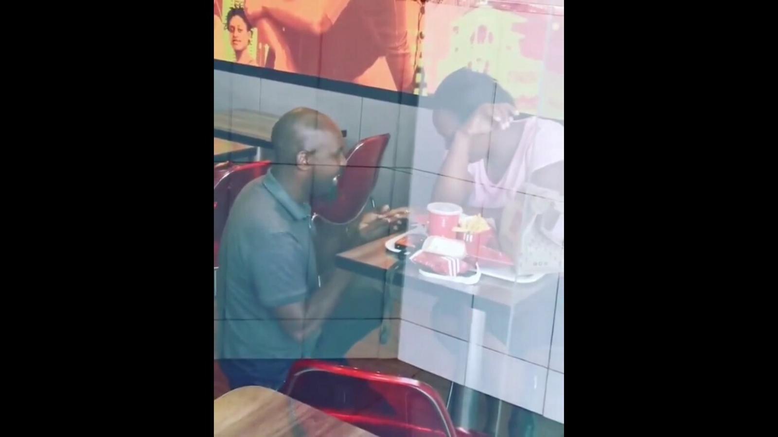 Vídeo de la petició de casament al KFC de Sud-àfrica