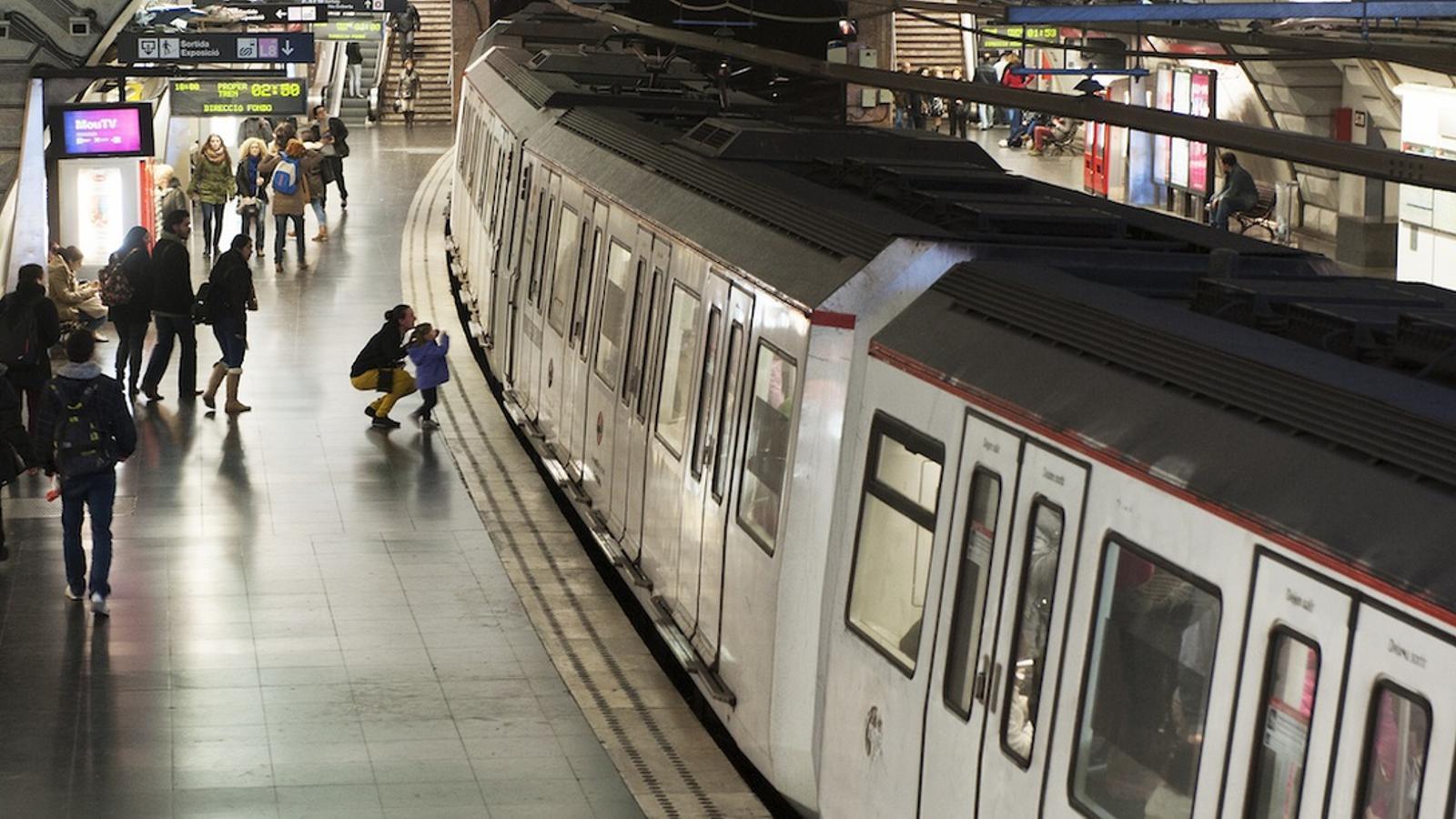 L'estació de plaça Espanya del metro / FRANCESC MELCIÓN