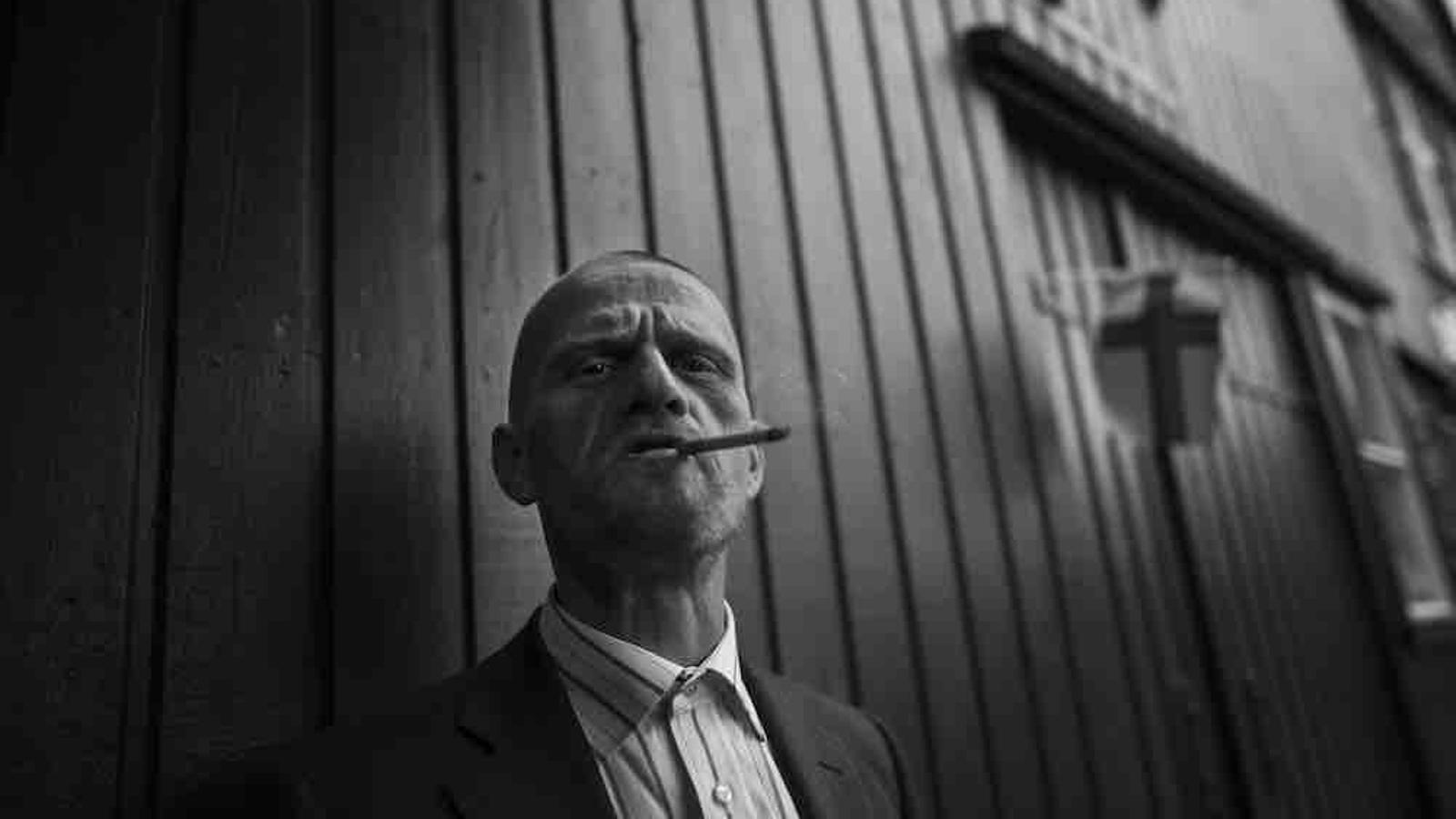 Meinar Ruer, nascut a Tórshavn fa 41 anys. De jove es va traslladar a Dinamarca, on va viure 13 anys als carrers de Copenhaguen perquè no s'atrevia a tornar al seu país com un fracassat. Ara hi viu amb la família / Guillem Trius