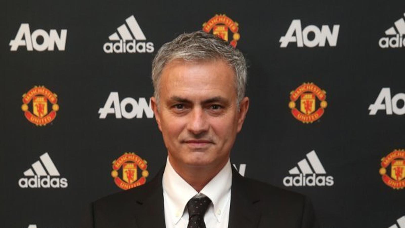 José Mourinho ha estat presentat com a nou tècnic del Manchester United