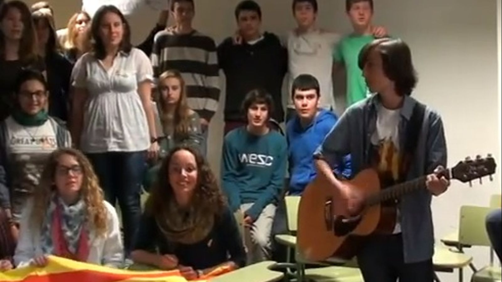 Alumnes de l'IES Felanitx li dediquen una versió de 'Jenifer' al president Bauzá