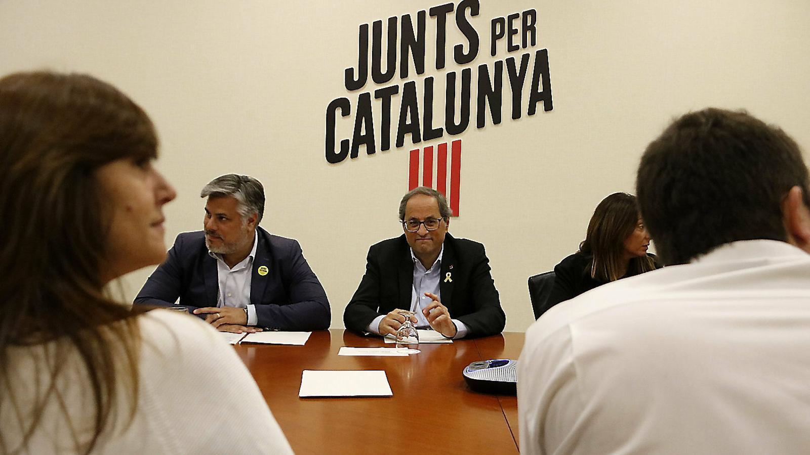 El president de la Generalitat, Quim Torra, en una reunió de la cúpula de Junts per Catalunya.