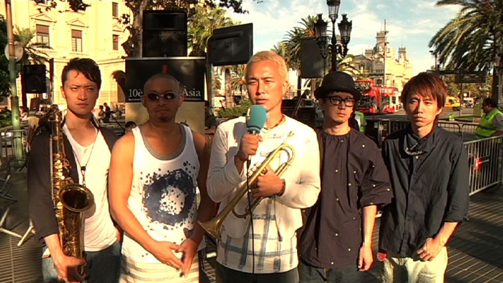 Pe'z: Com que som un grup que hem nascut al carrer, hem decidit tastar els carrers de Barcelona