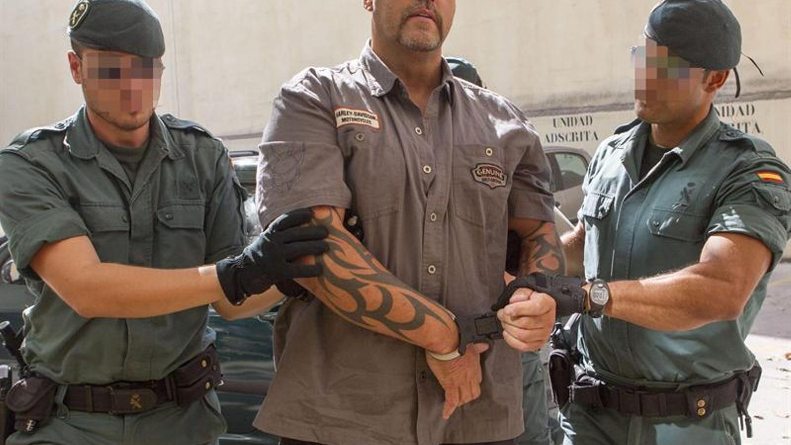 Agents de la Guàrdia Civil duen als jutjats de Palma el cap dels Àngels de l'Infern / EFE/M. T. D.