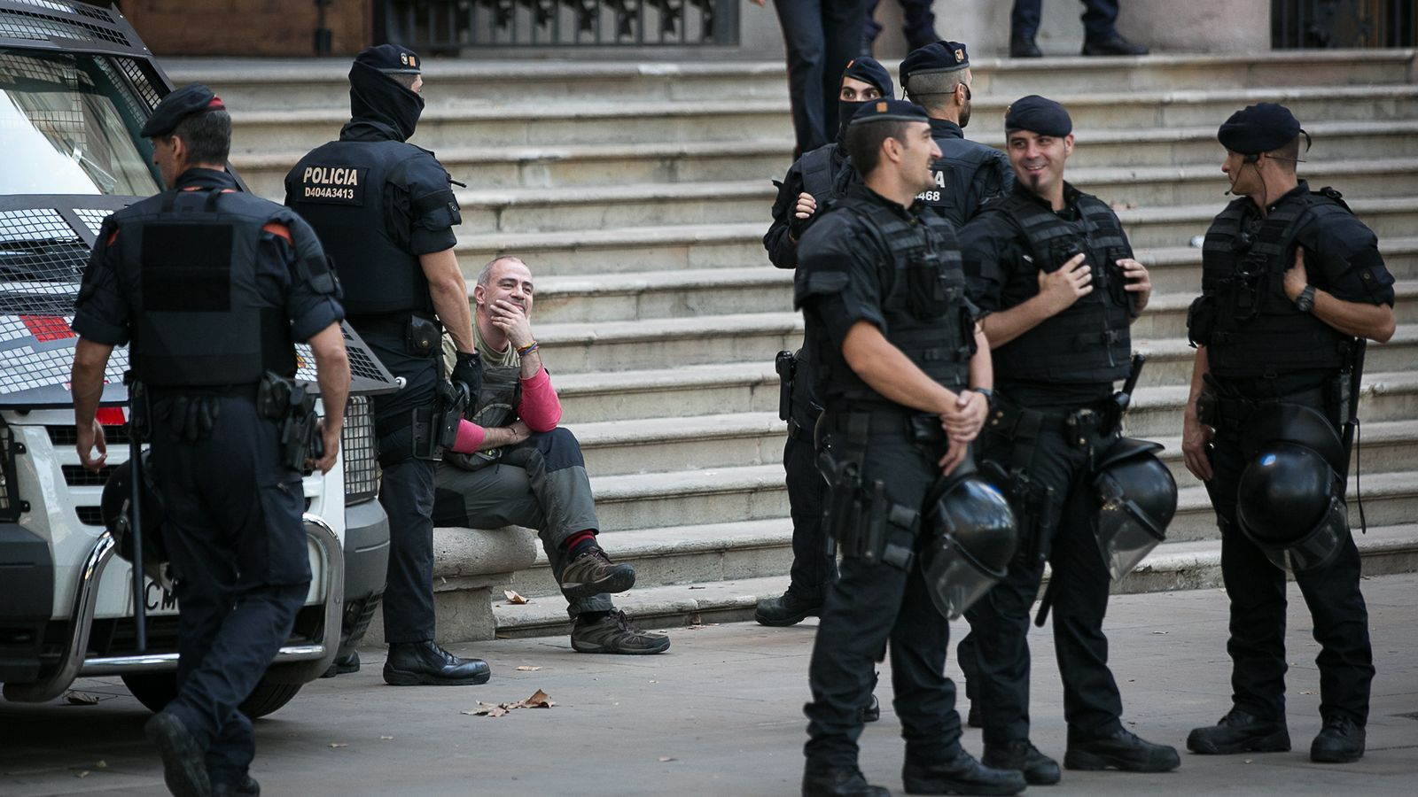 Imatge d'arxiu d'agents dels Mossos després de la protesta dels CDR a les portes del TSJC