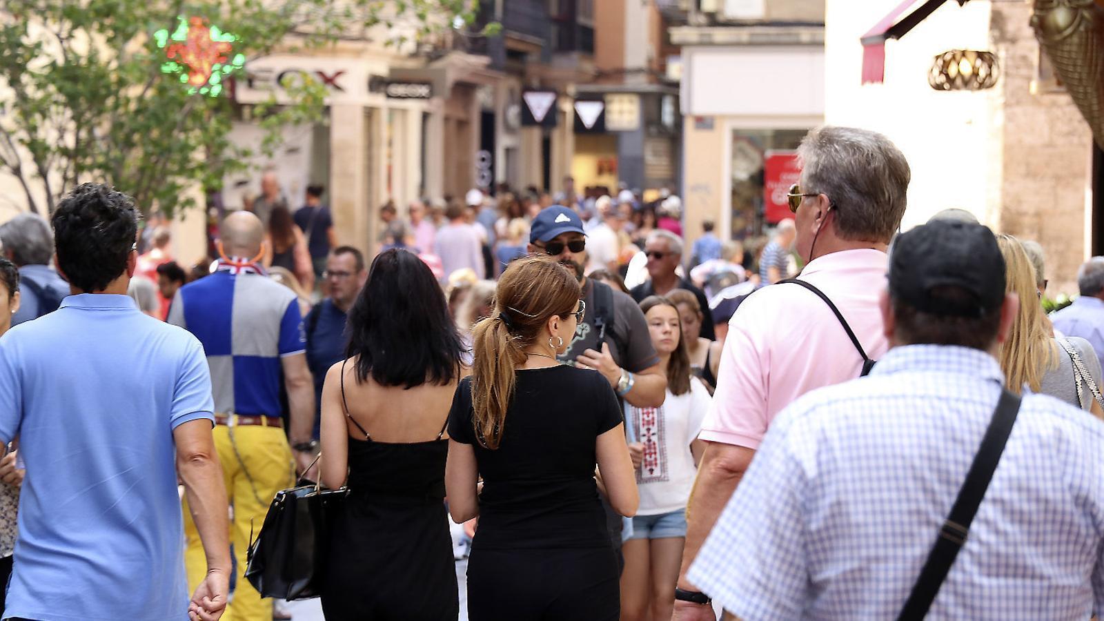 El 64% dels comerços del centre històric de Palma són per a turistes