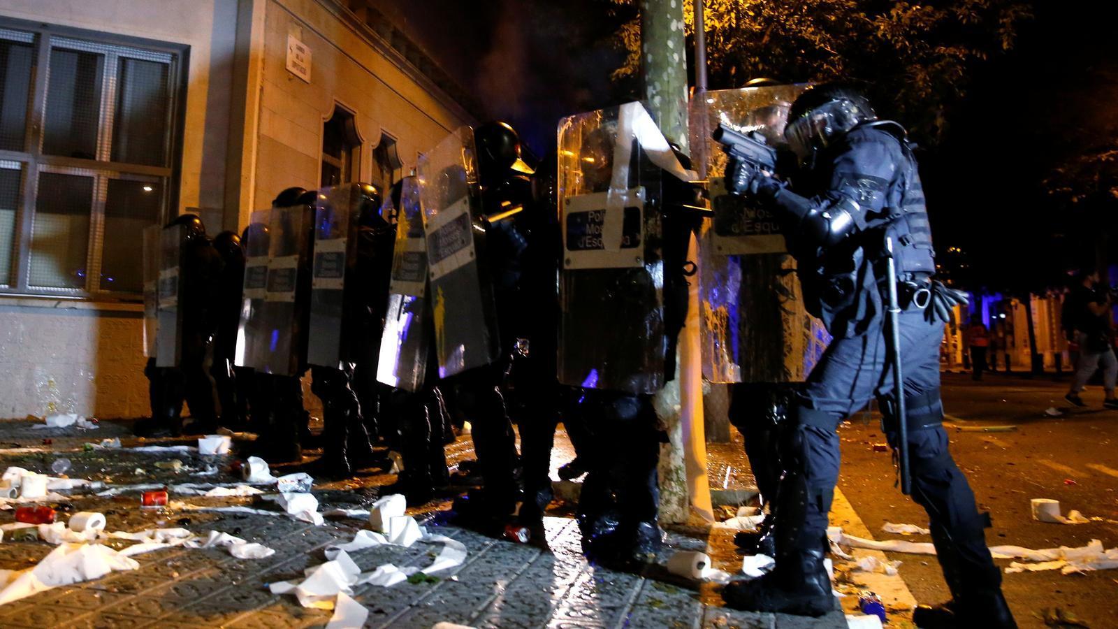 """El cap policial dels Mossos diu que """"mai s'havien enfrontat a una protesta amb tanta violència"""""""