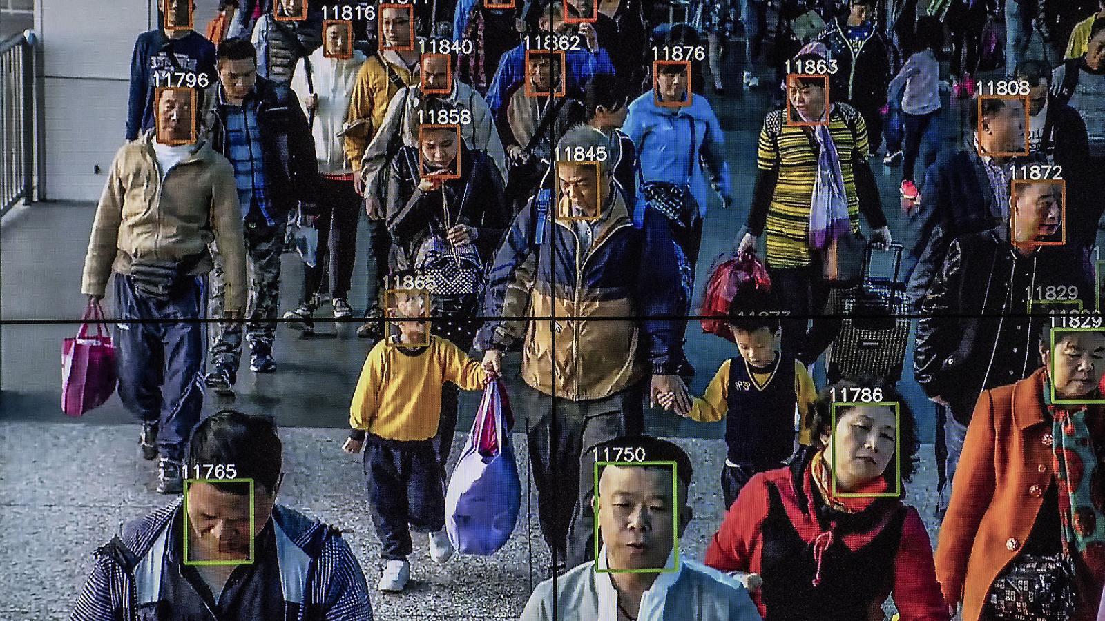 Vídeo que mostra el programari de reconeixement facial en ús a la seu de l'empresa d'intel·ligència artificial Megvii, a Pequín, ciutat que es gasta milers de milions de dòlars en el reconeixement facial per rastrejar la gent.