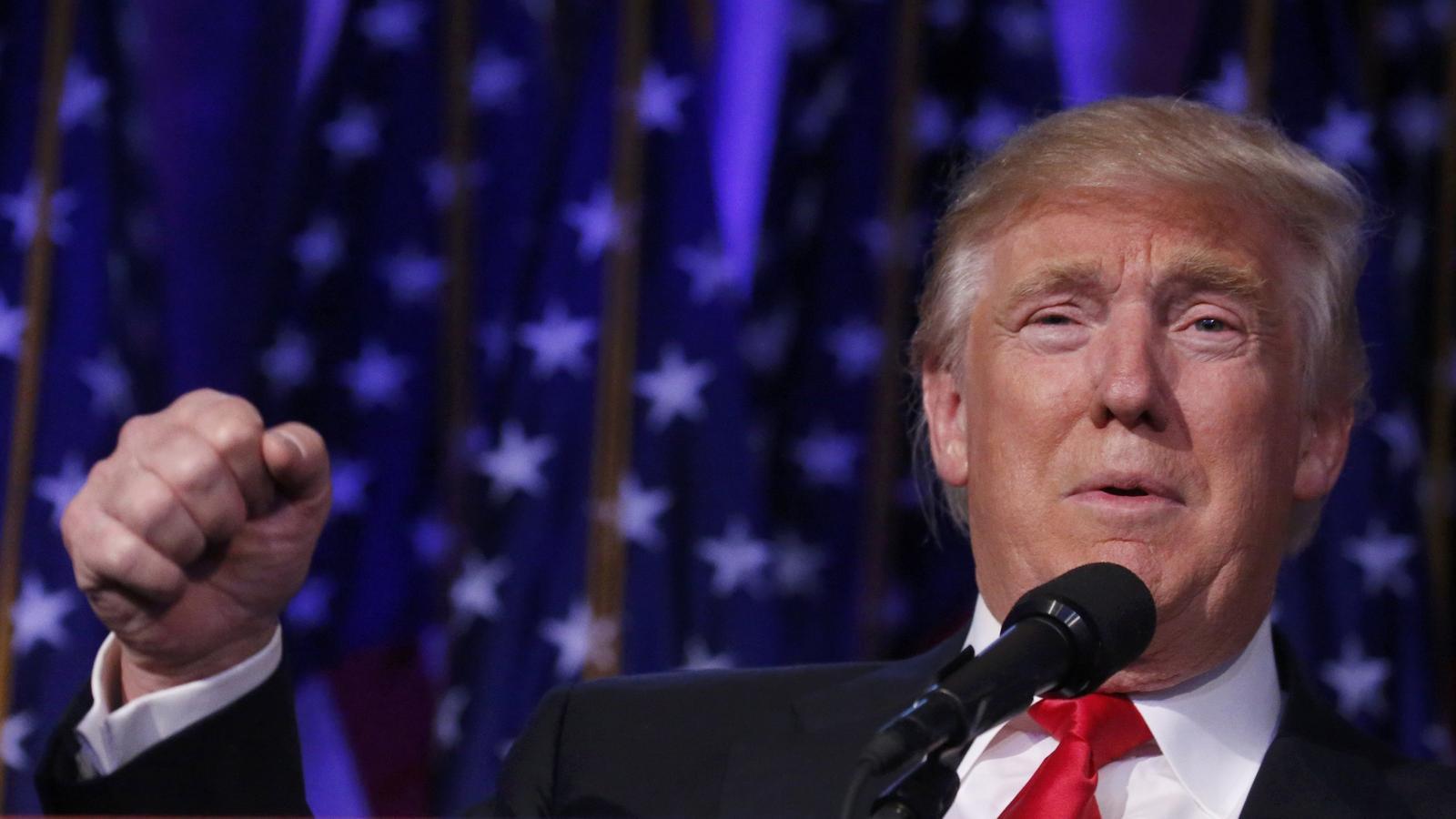 Trump amenaça amb impostos al vi francès si Macron aprova la 'taxa Google'