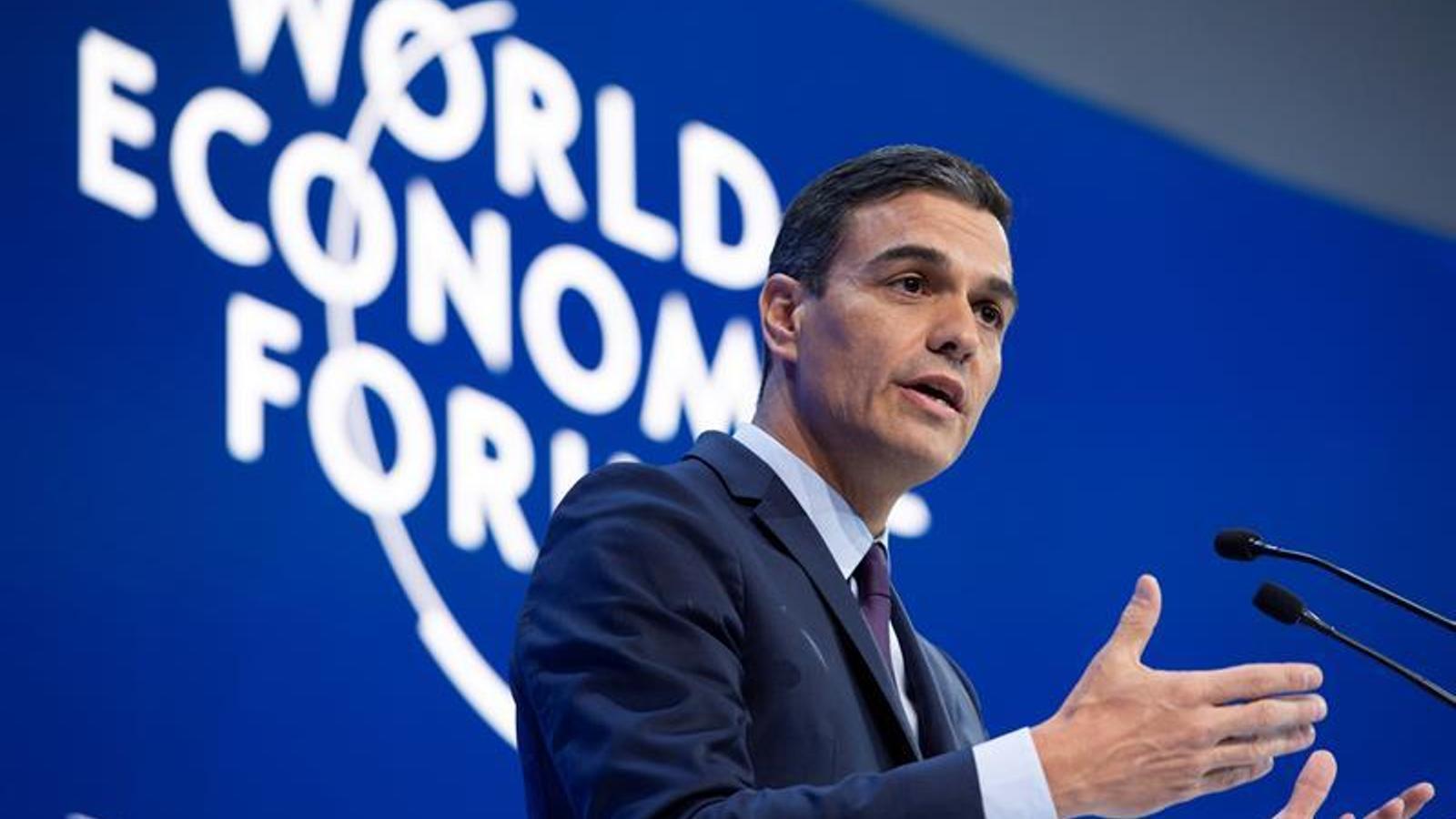 Sánchez parla per telèfon amb Guaidó des de Davos