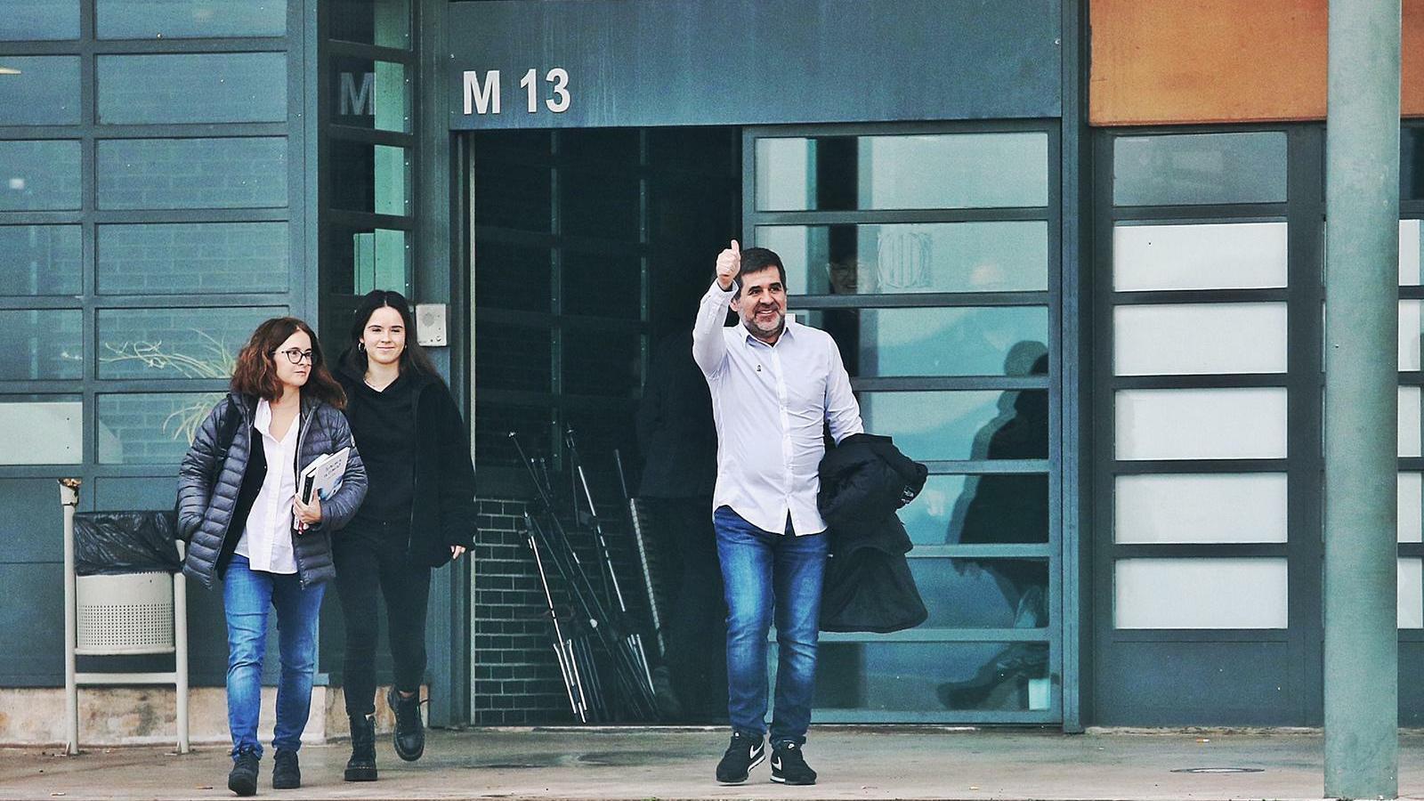 Jordi Sànchez surt de Lledoners per gaudir del seu primer permís penitenciari
