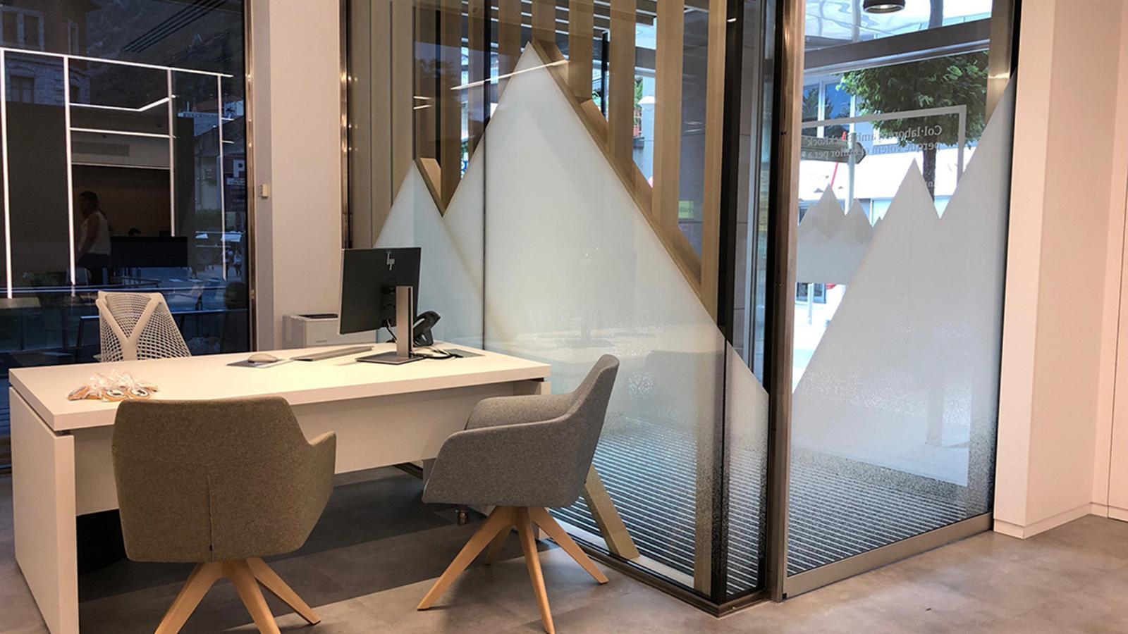 Interior d'una oficina de Vall Banc. / VALL BANC