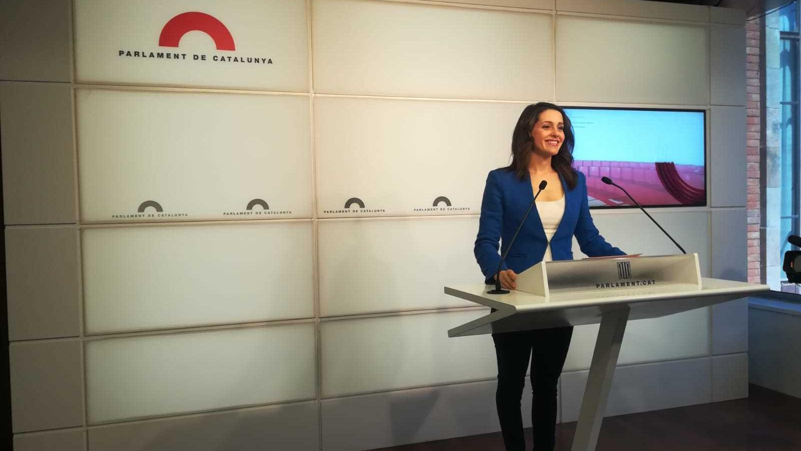 Inés Arrimadas en roda de premsa des del Parlament aquest divendres