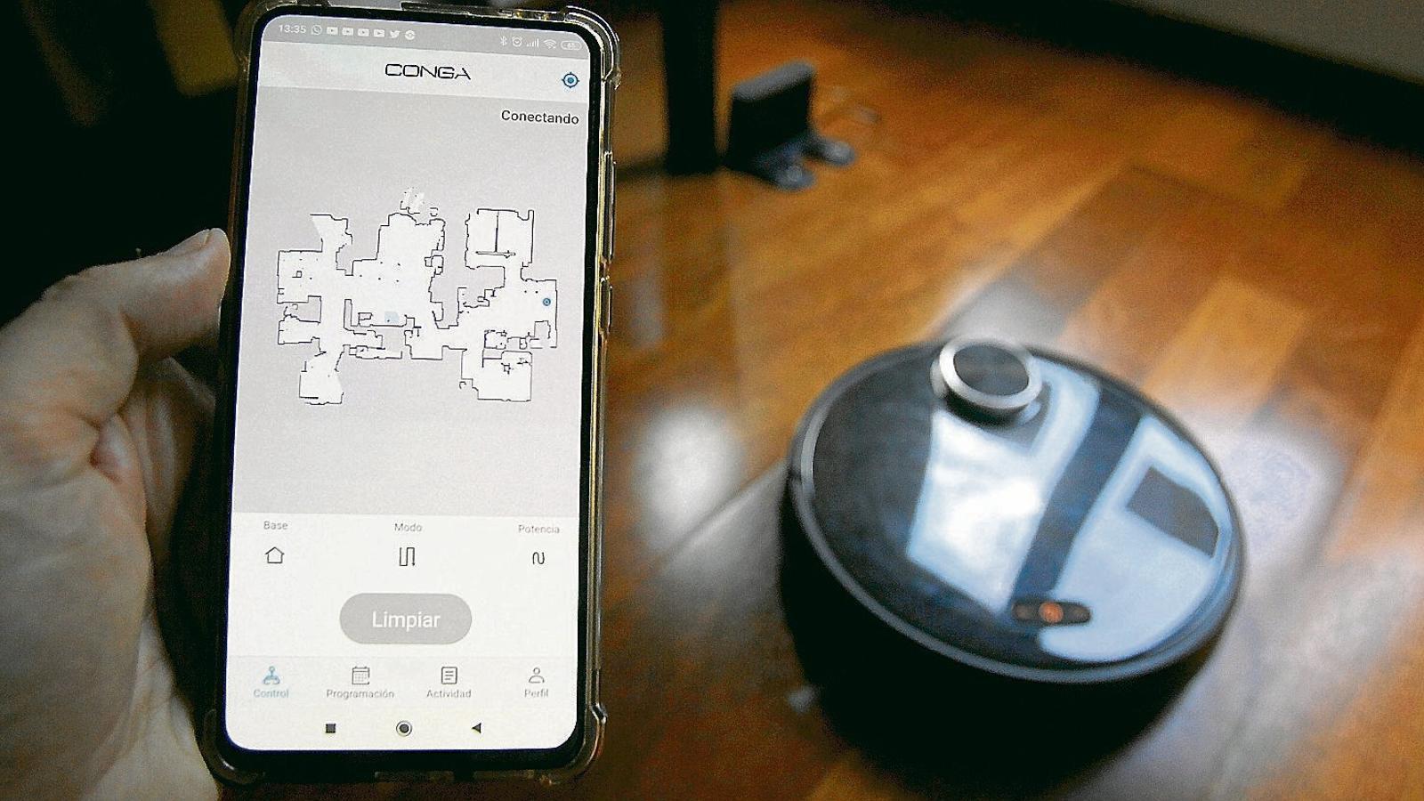 El robot Conga sap com és casa teva i en guarda  el mapa al núvol