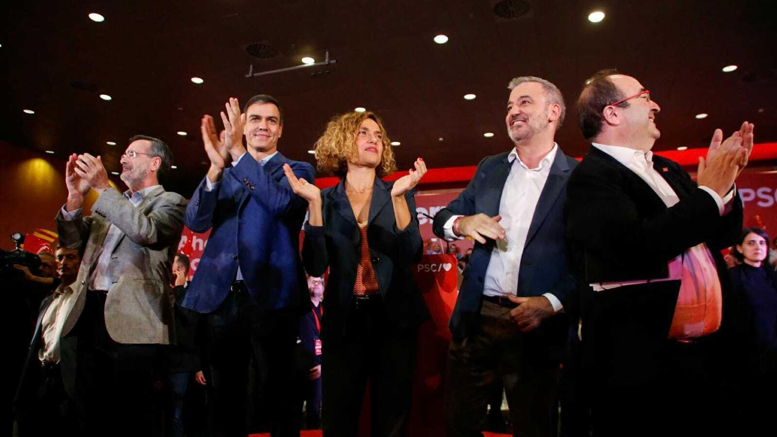 Manuel Cruz, Pedro Sánchez, Meritxell Batet, Jaume Collboni i Miquel Iceta, aquest dimecres al míting socialista