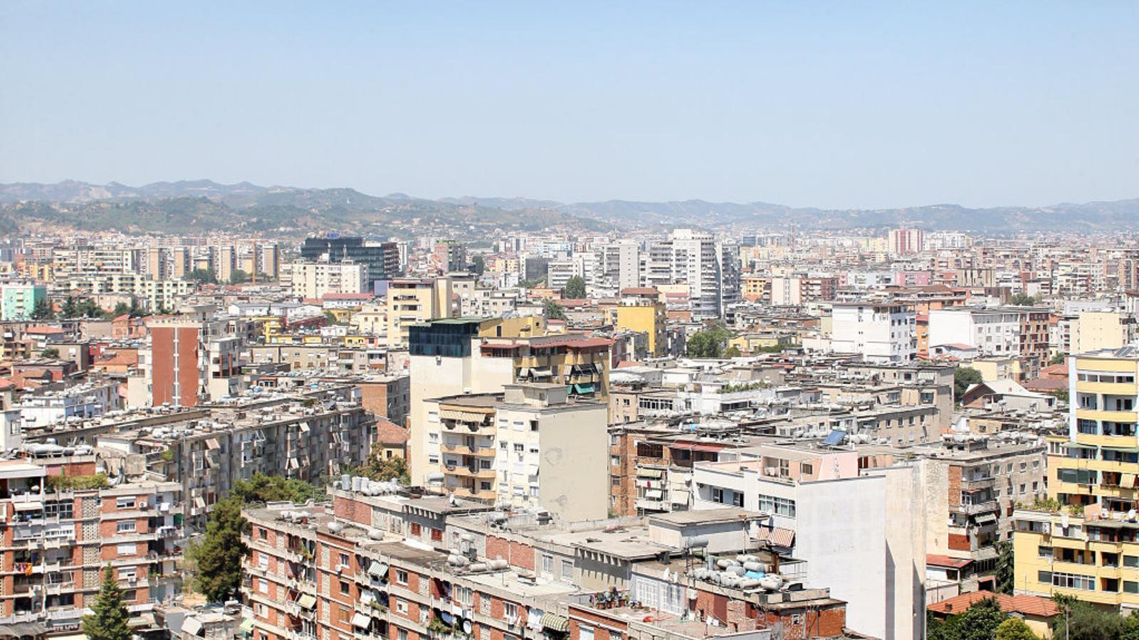 Albània treu pit a Barcelona de la plaça més gran dels Balcans
