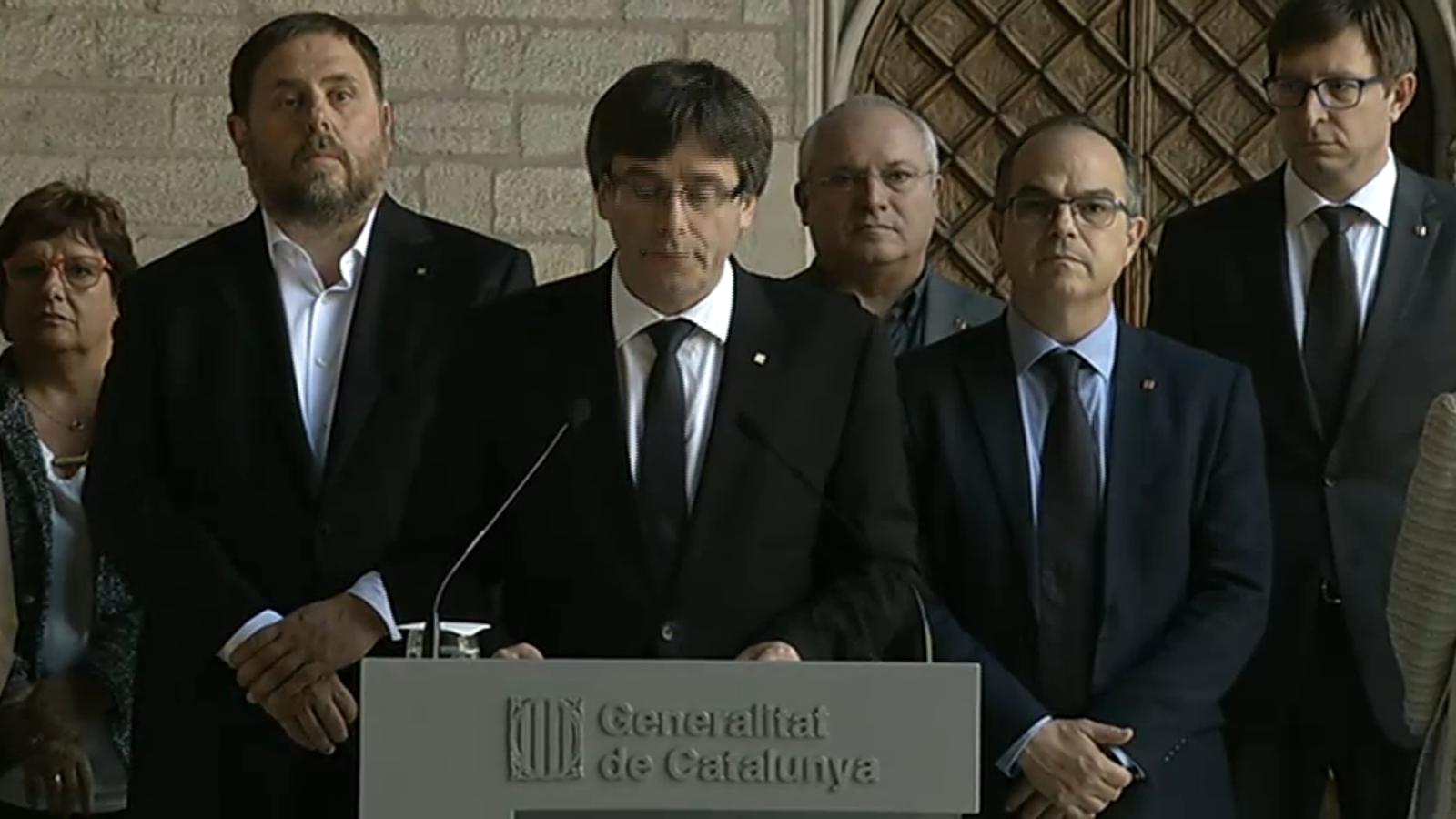 """Puigdemont manté l'1-O enfront d'un Estat que ha creuat la """"línia vermella de l'autoritarisme"""""""
