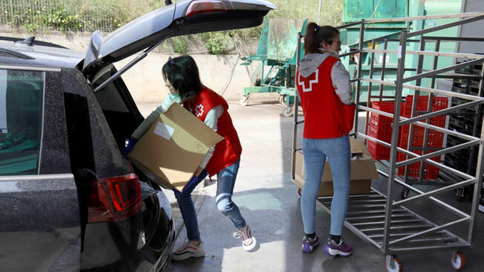 Voluntaris de Creu Roja / ISAAC BUJ