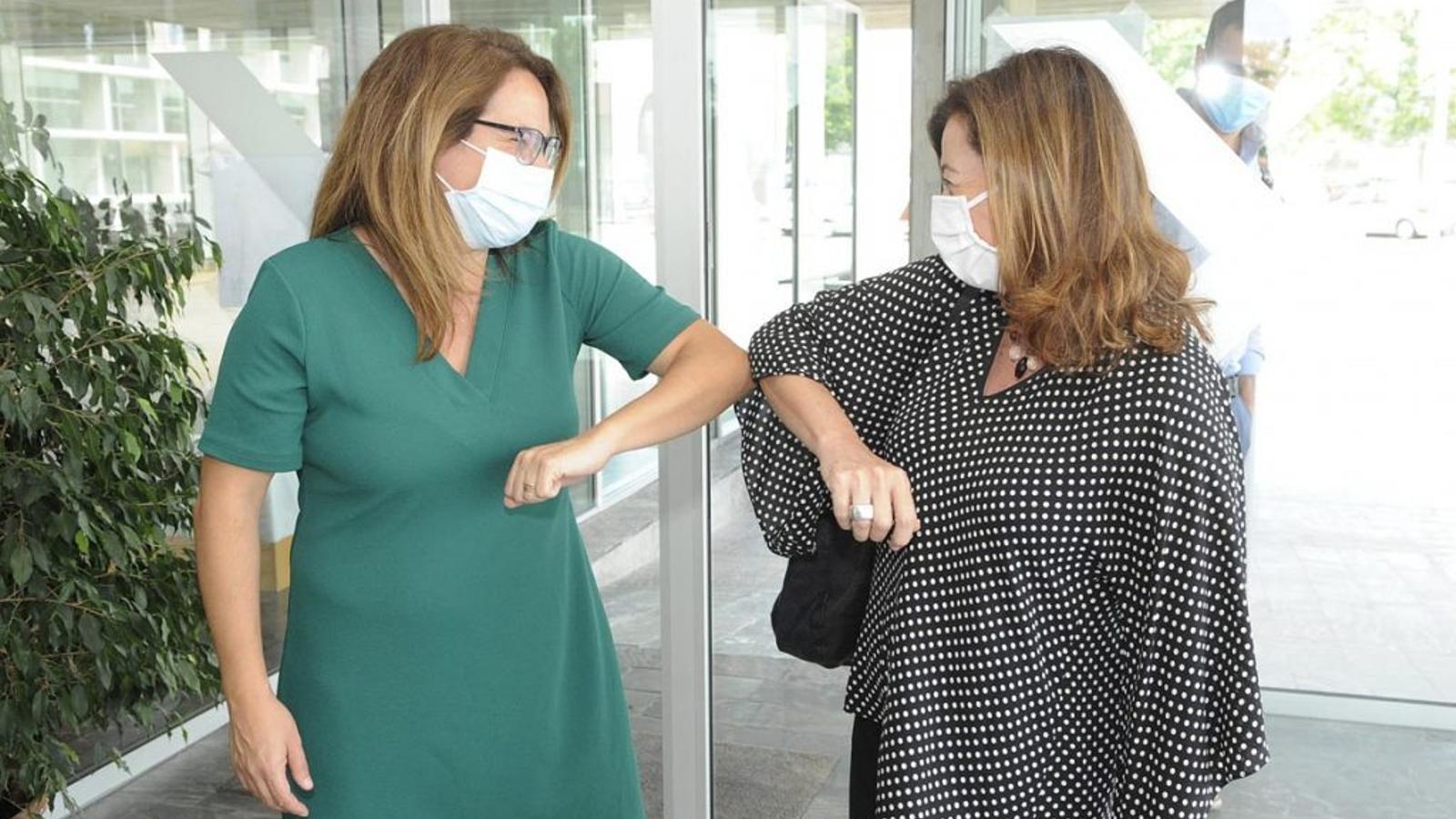 Susana Mora i Francina Armengol han explicat en roda de premsa la situació sanitària de les illes.