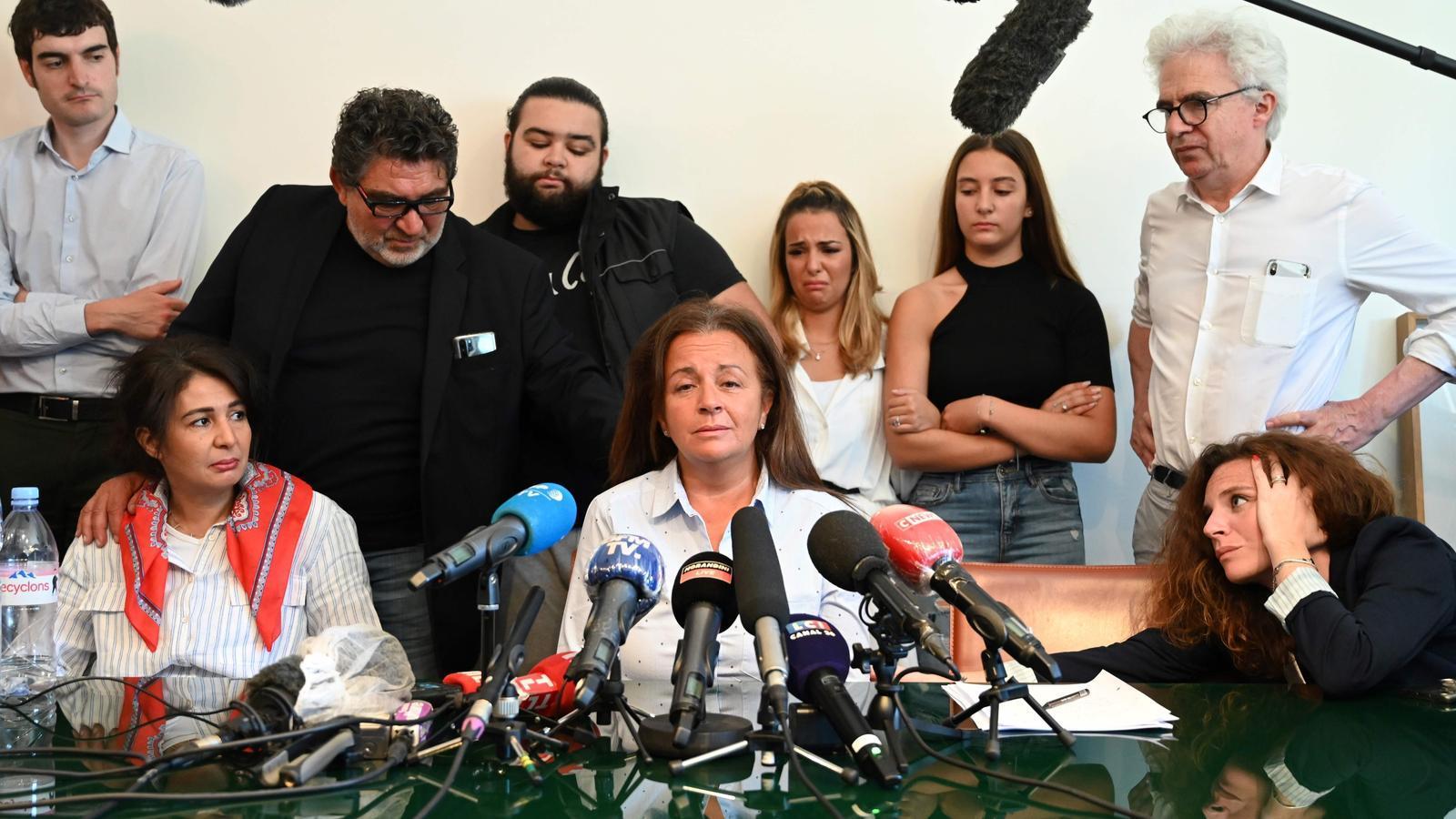 Familia de Cédir Chouviat, el George Floyd francès, fa una roda de premsa per denunciar la mort de l'home
