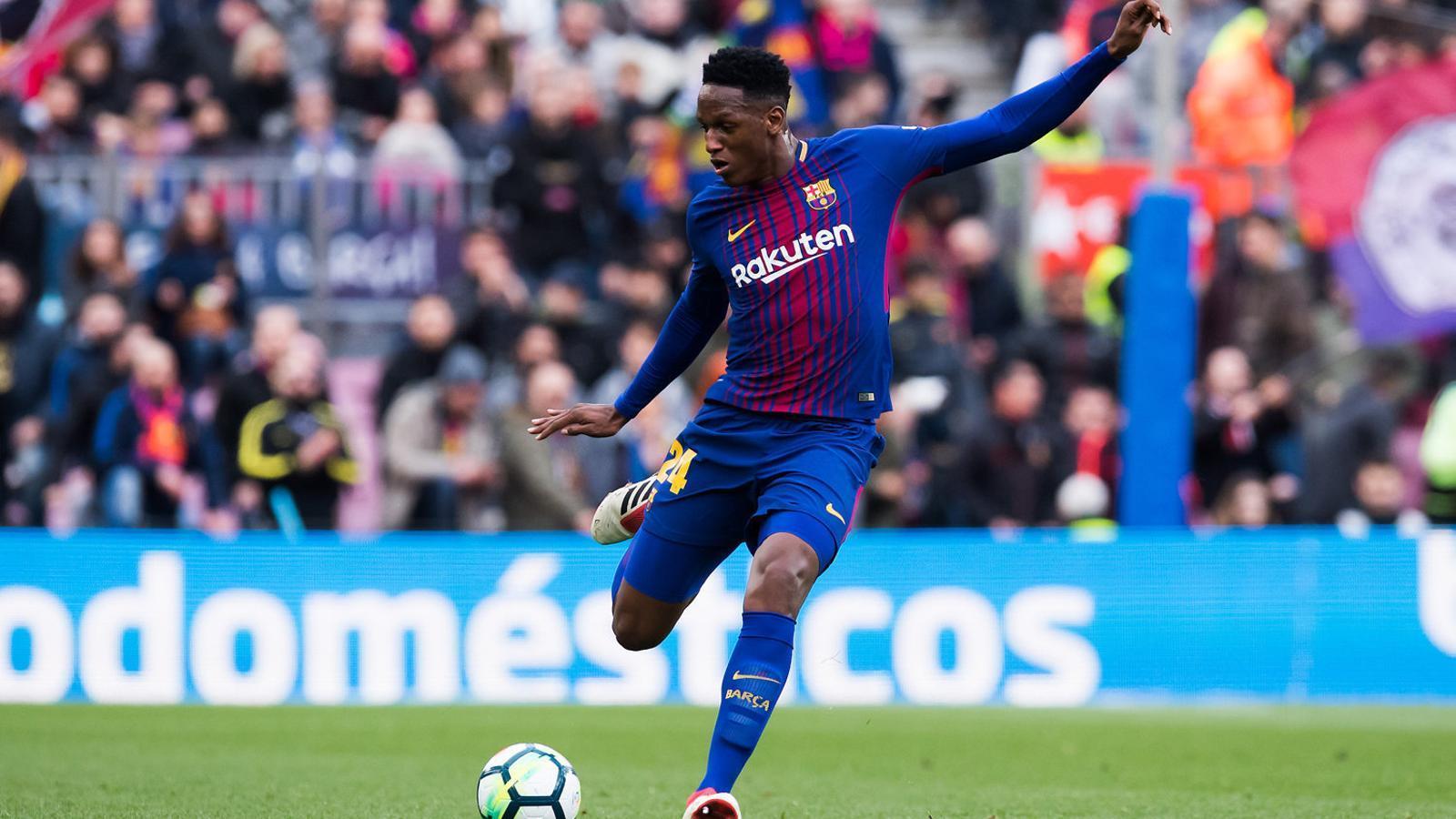 Yerry Mina durant el partit de lliga contra el Getafe, quan va debutar amb el Barça al Camp Nou.
