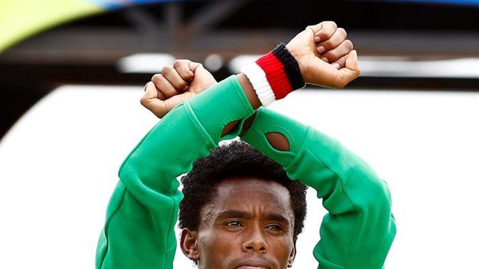 El gest política de l'etiop Lilesa / EFE