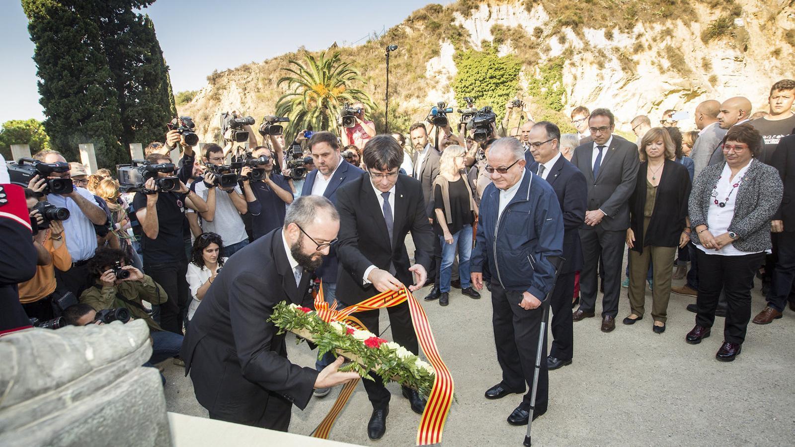 15 d'octubre del 2017: Puigdemont prepara una resposta ambigua sobre la DUI