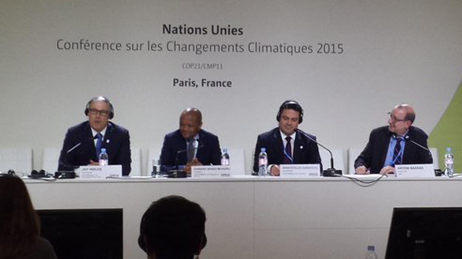 L'editorial d'Antoni Bassas: El canvi climàtic i la nostra dependència al cotxe
