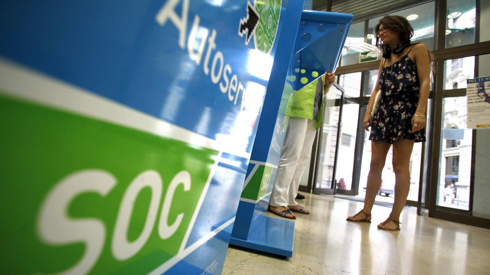El govern presenta un nou pla per combatre l 39 atur for Oficina atur