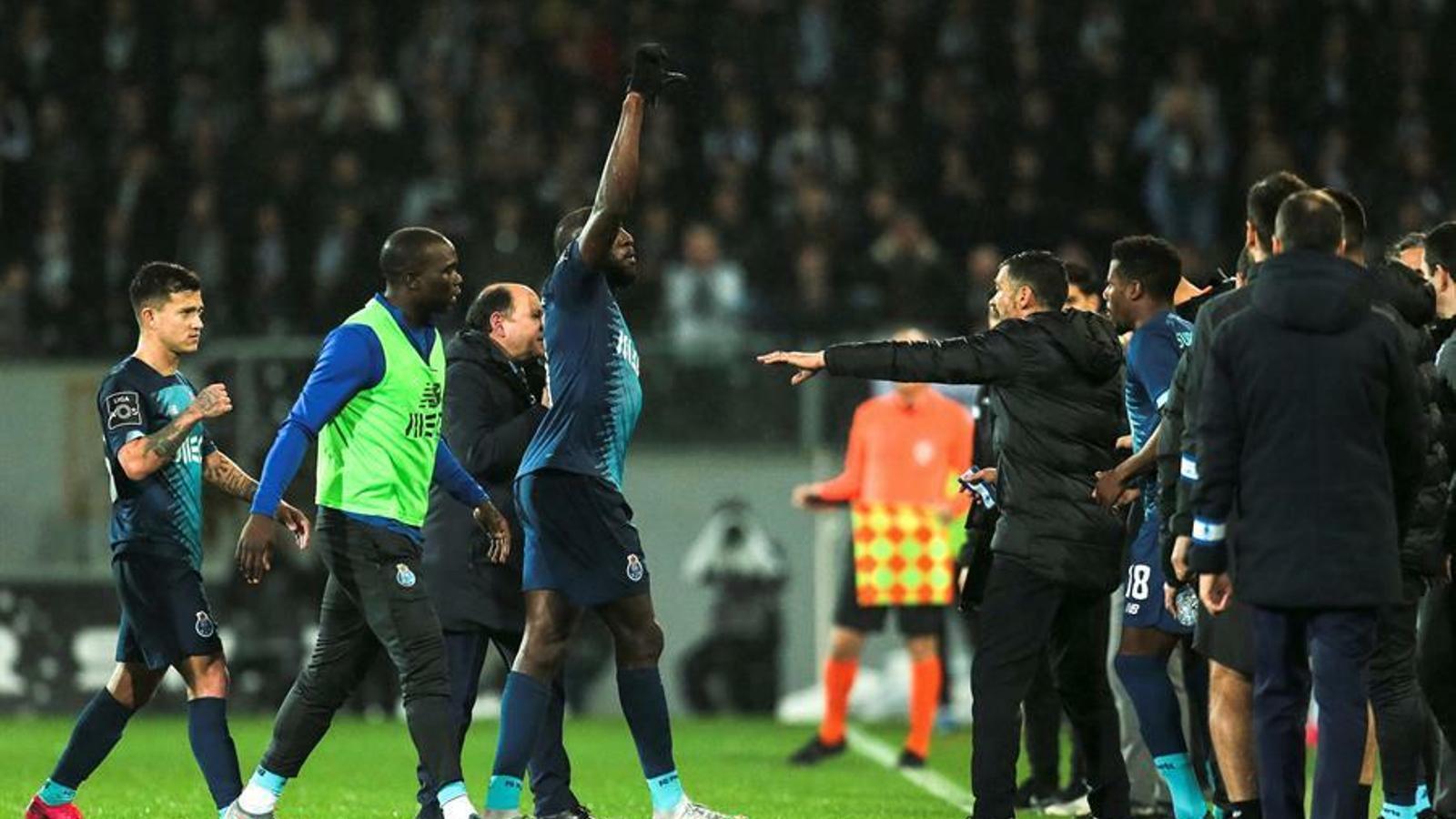 """Moussa Marega: """"M'agradaria dir una cosa als idiotes que fan crits racistes: que us fotin"""""""
