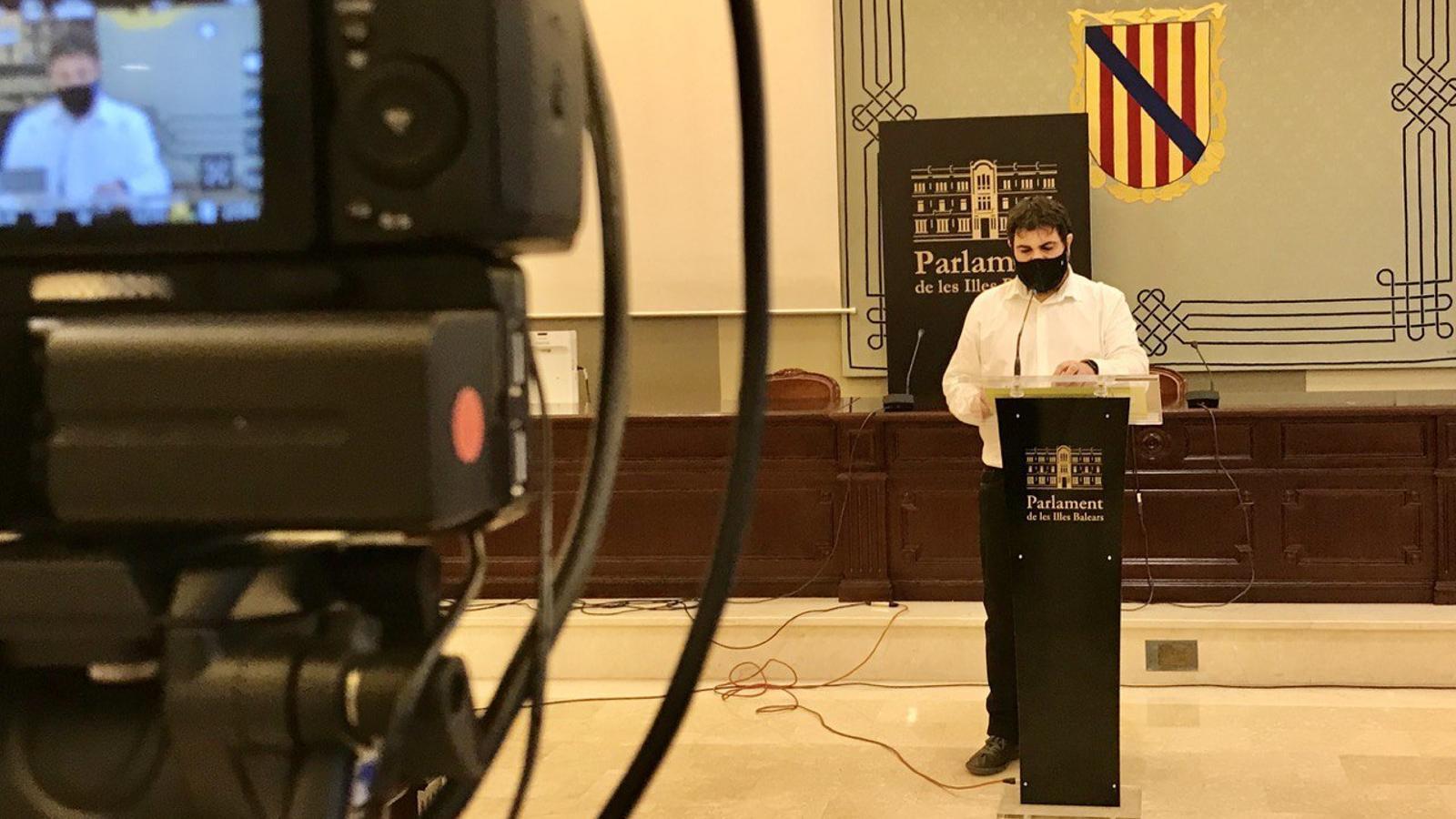 El diputat de MÉS per Mallorca, Josep ferrà, aquest dilluns en el Parlament