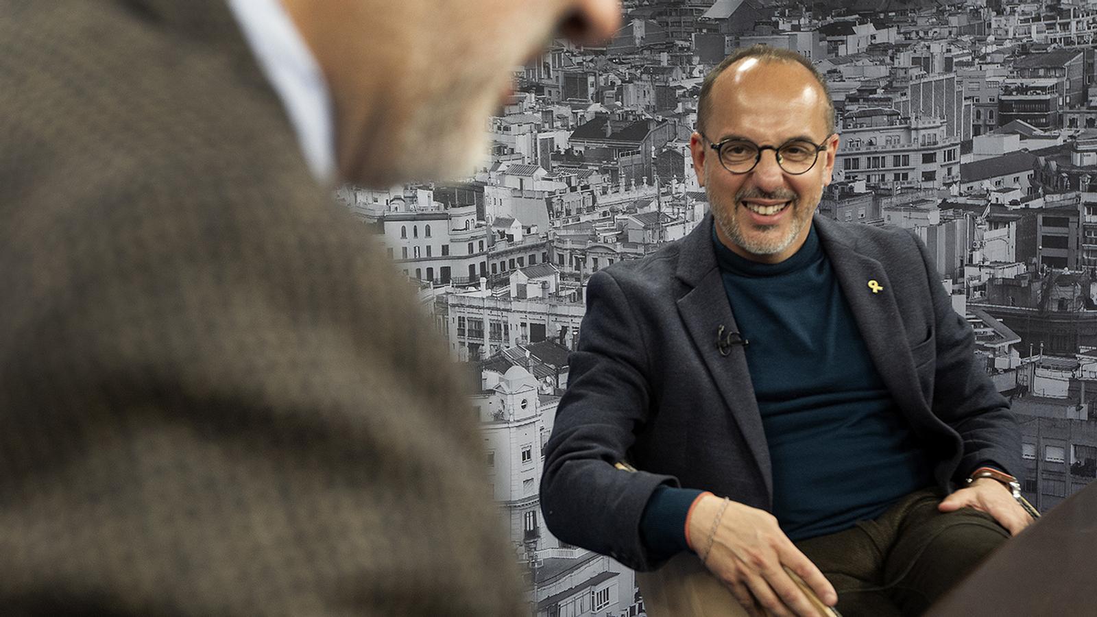 Entrevista d'Antoni Bassas a Carles Campuzano